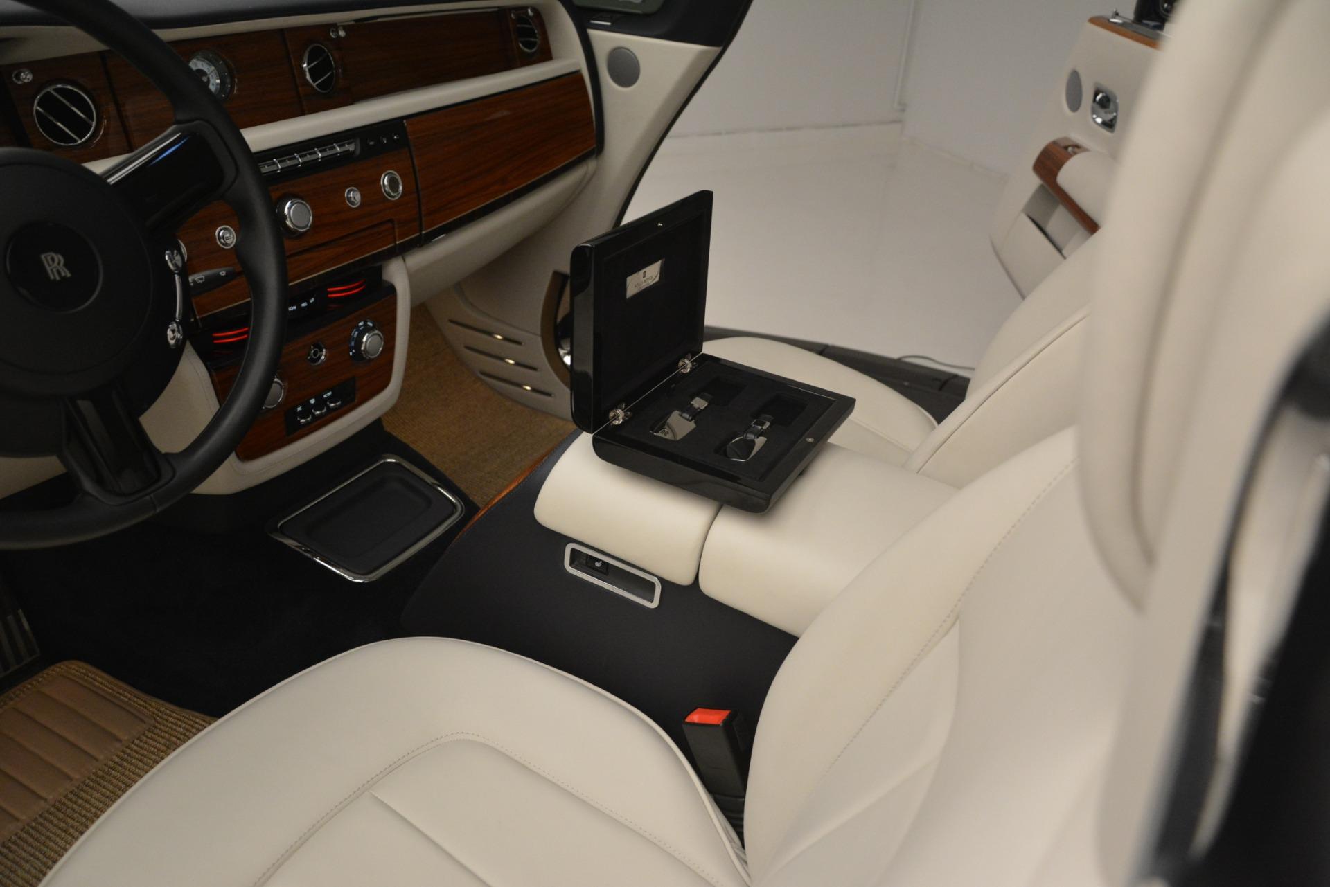 Used 2013 Rolls-Royce Phantom Drophead Coupe  For Sale In Westport, CT 2999_p30