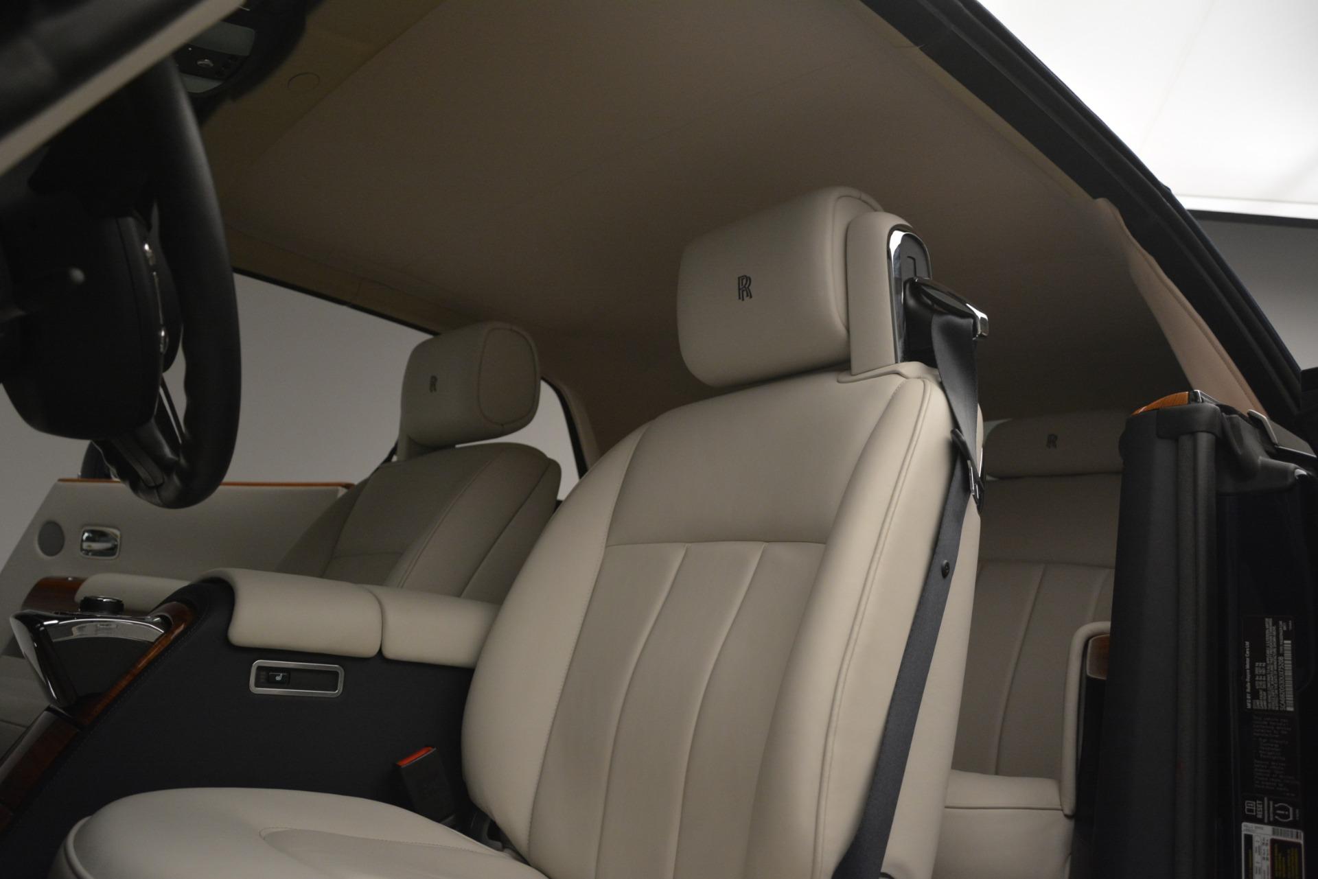 Used 2013 Rolls-Royce Phantom Drophead Coupe  For Sale In Westport, CT 2999_p33