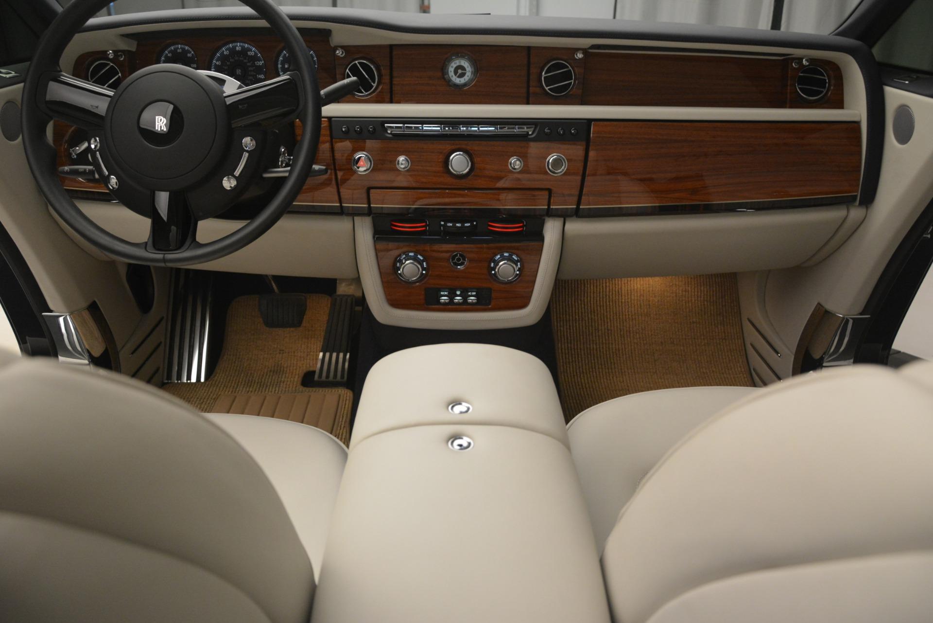 Used 2013 Rolls-Royce Phantom Drophead Coupe  For Sale In Westport, CT 2999_p34