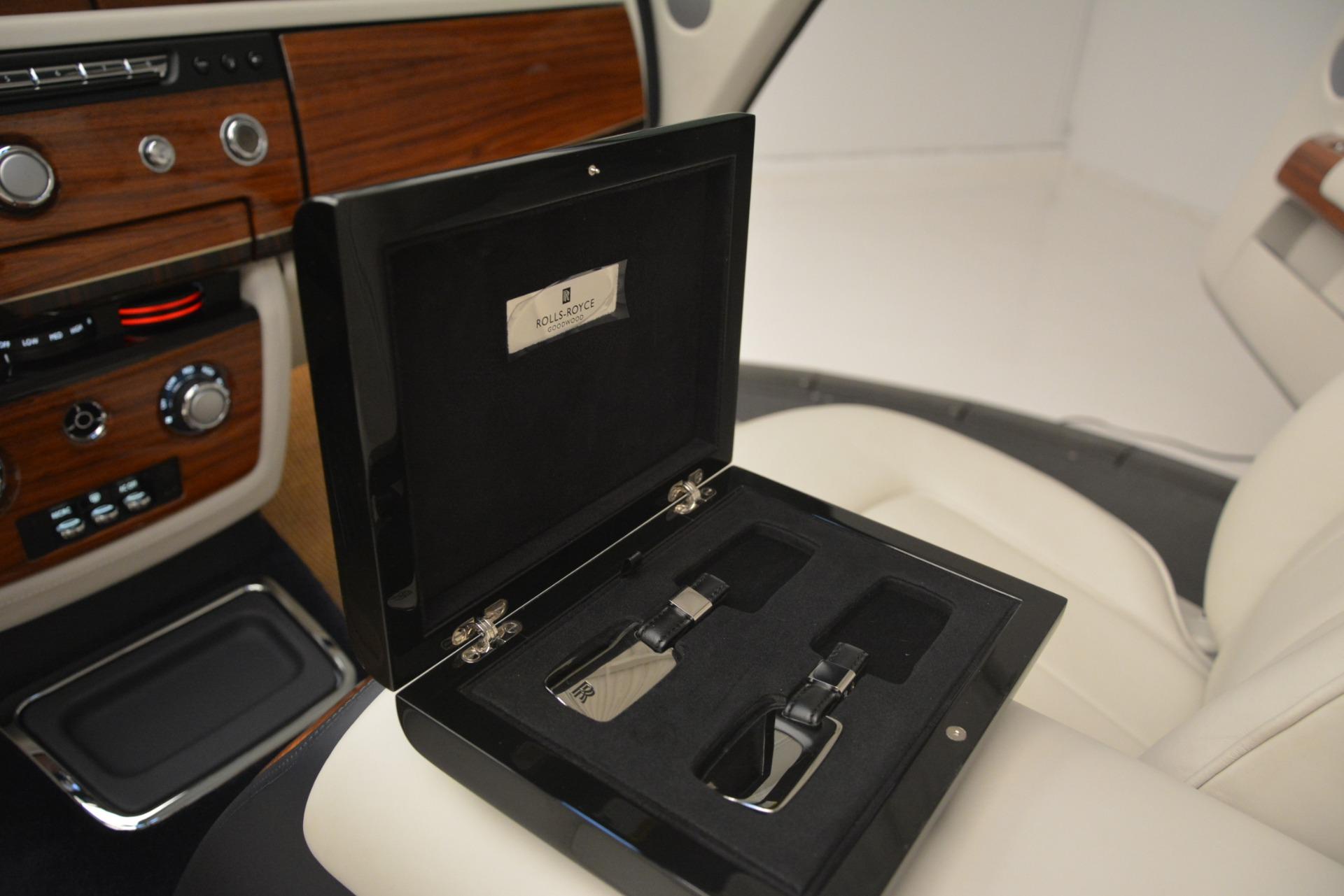 Used 2013 Rolls-Royce Phantom Drophead Coupe  For Sale In Westport, CT 2999_p41