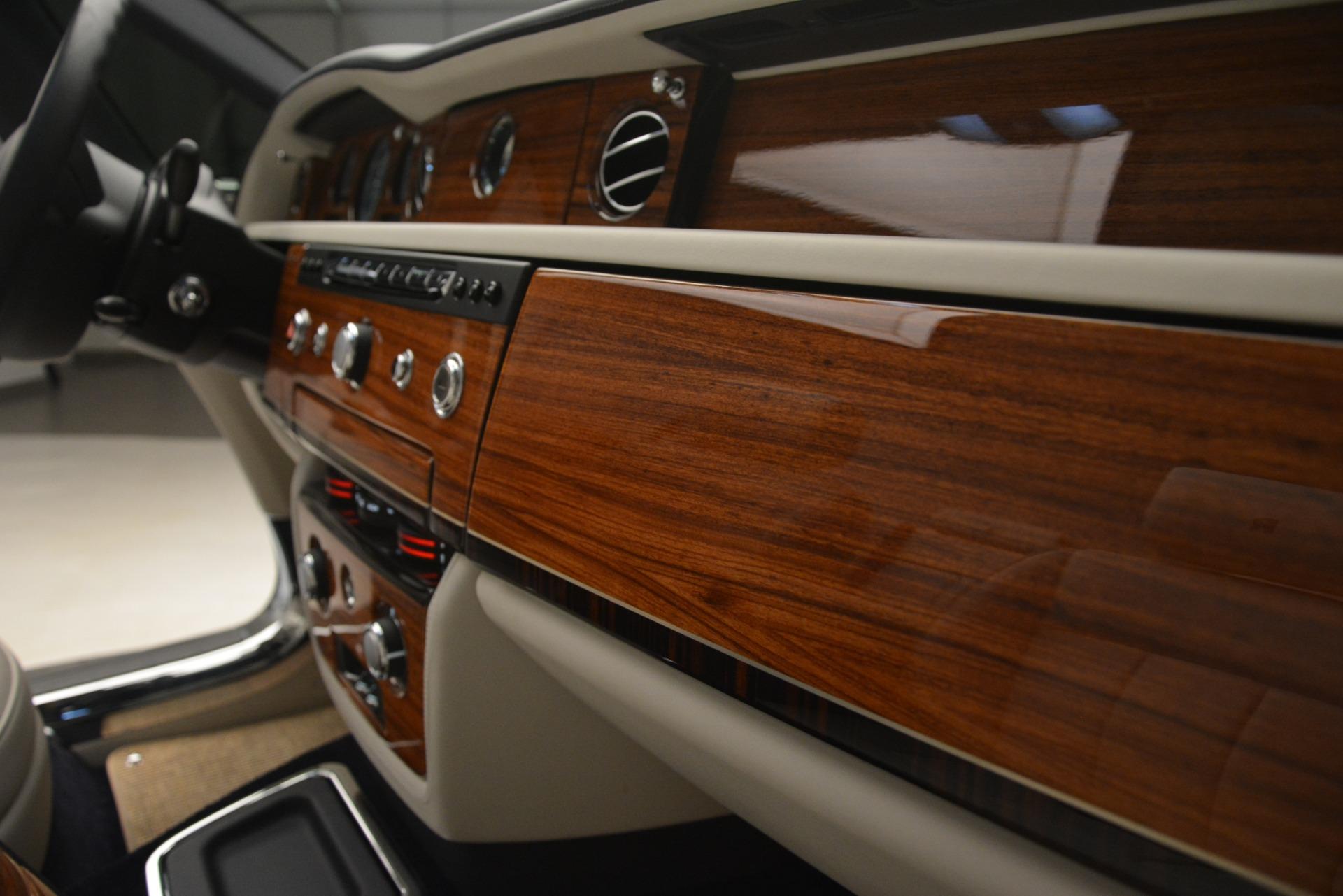 Used 2013 Rolls-Royce Phantom Drophead Coupe  For Sale In Westport, CT 2999_p43