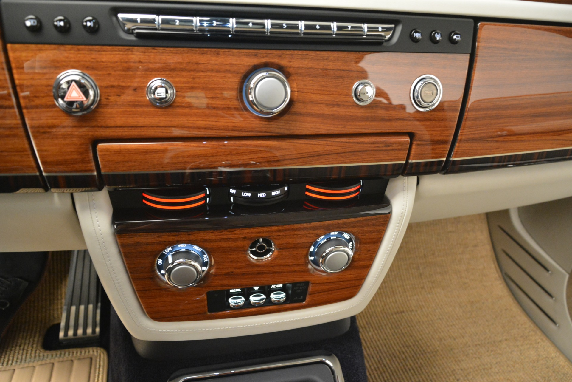 Used 2013 Rolls-Royce Phantom Drophead Coupe  For Sale In Westport, CT 2999_p54