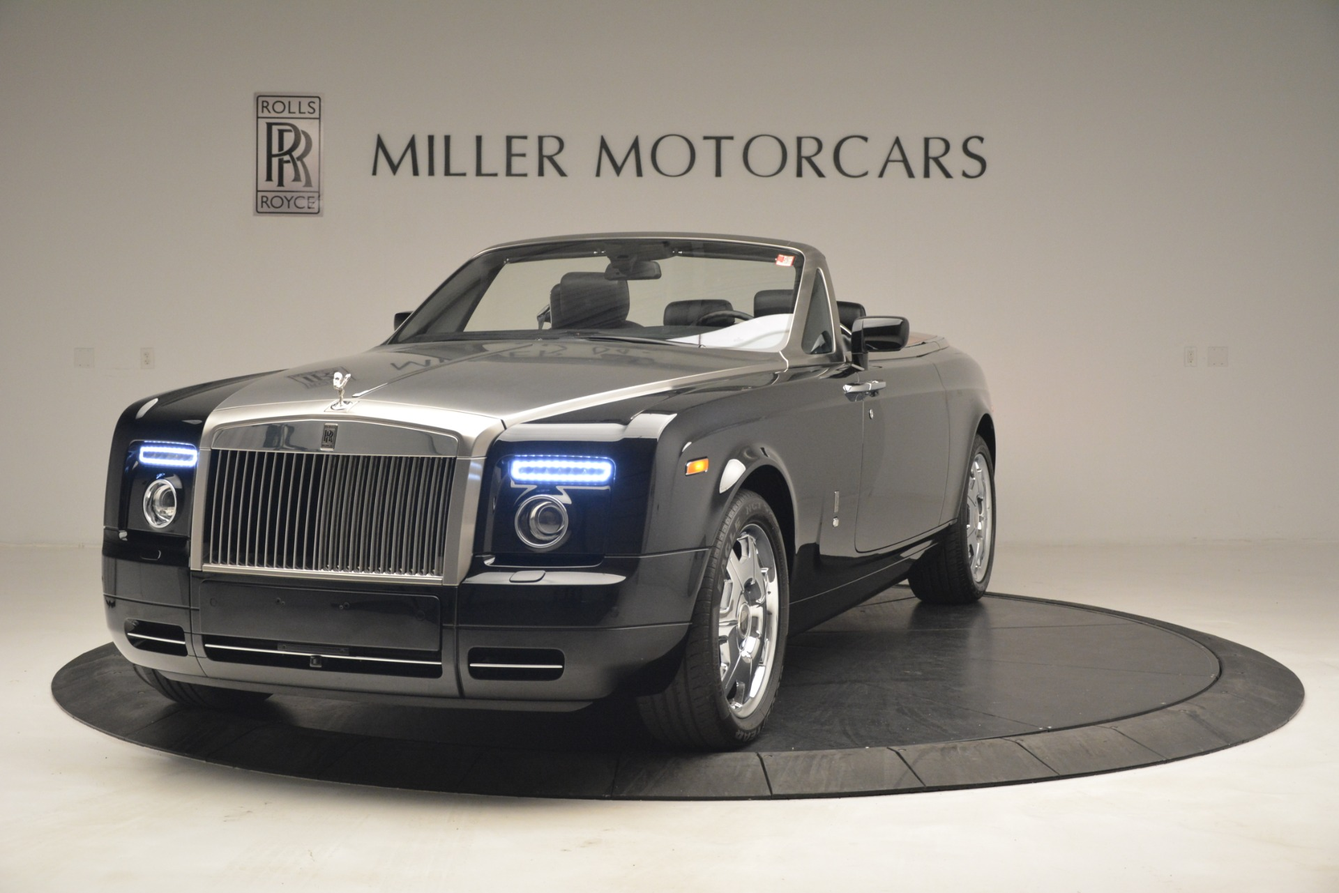 Used 2008 Rolls-Royce Phantom Drophead Coupe  For Sale In Westport, CT 3000_main