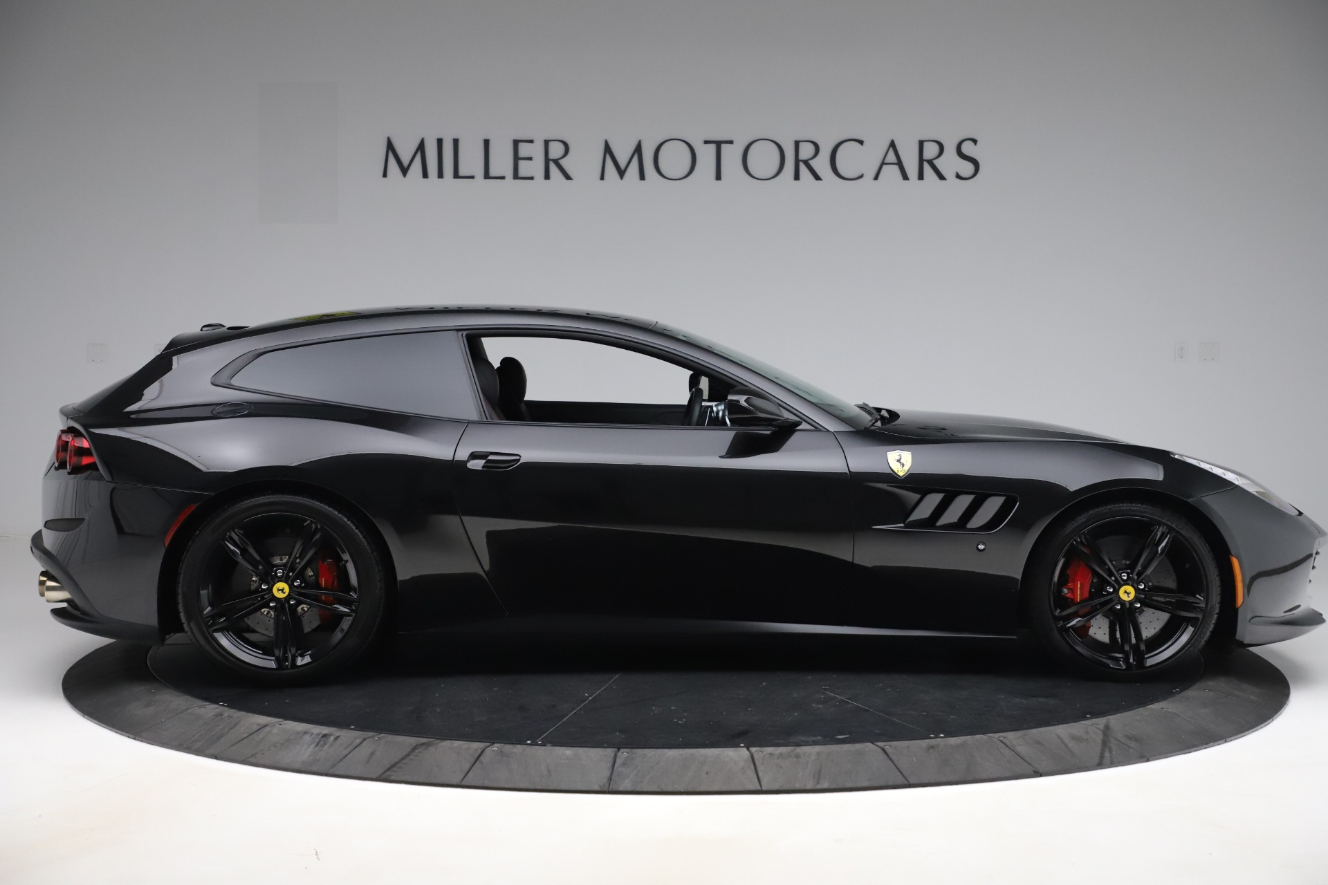 Used 2018 Ferrari GTC4Lusso  For Sale In Westport, CT 3005_p9