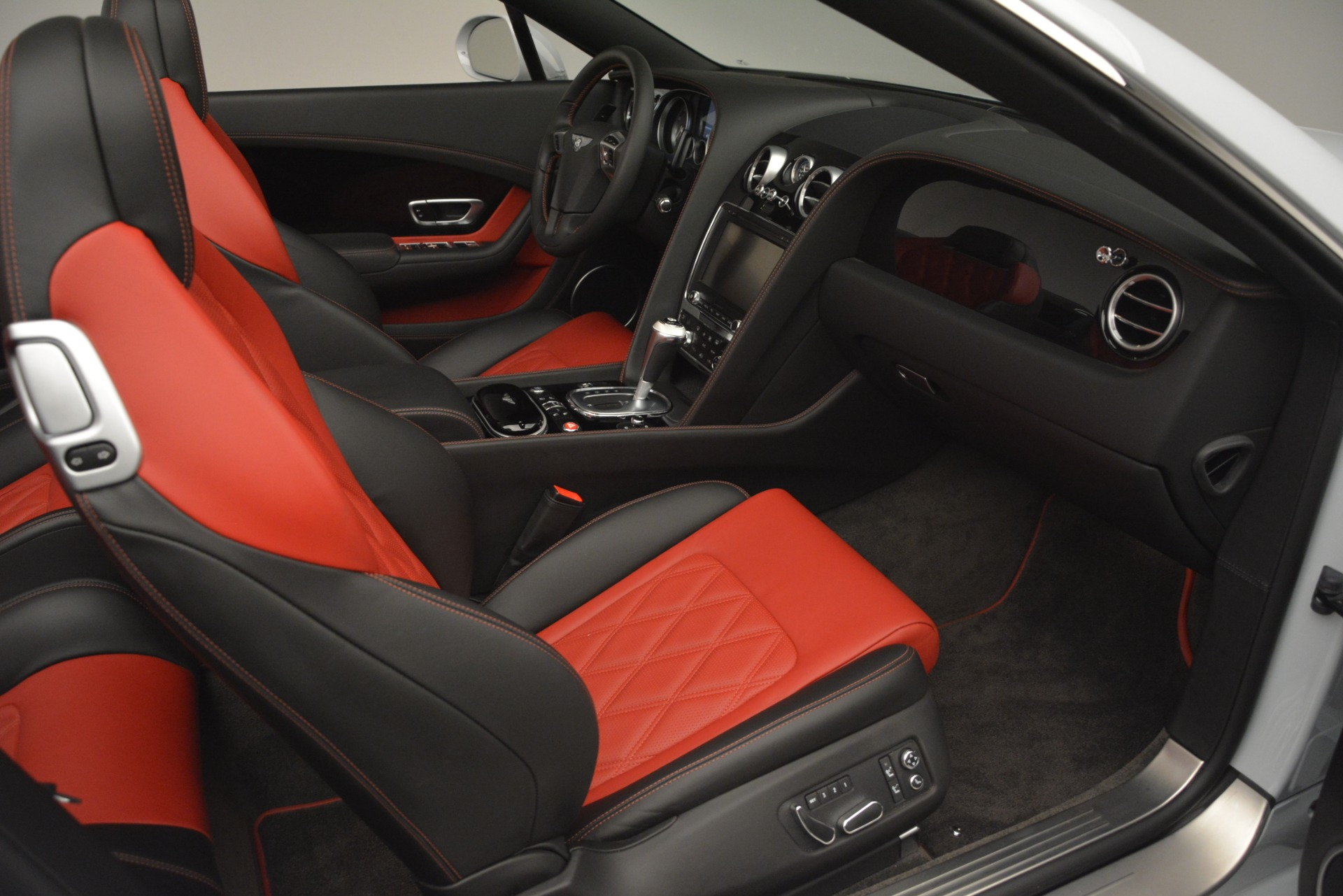 Used 2014 Bentley Continental GT V8 S For Sale In Westport, CT 3011_p32