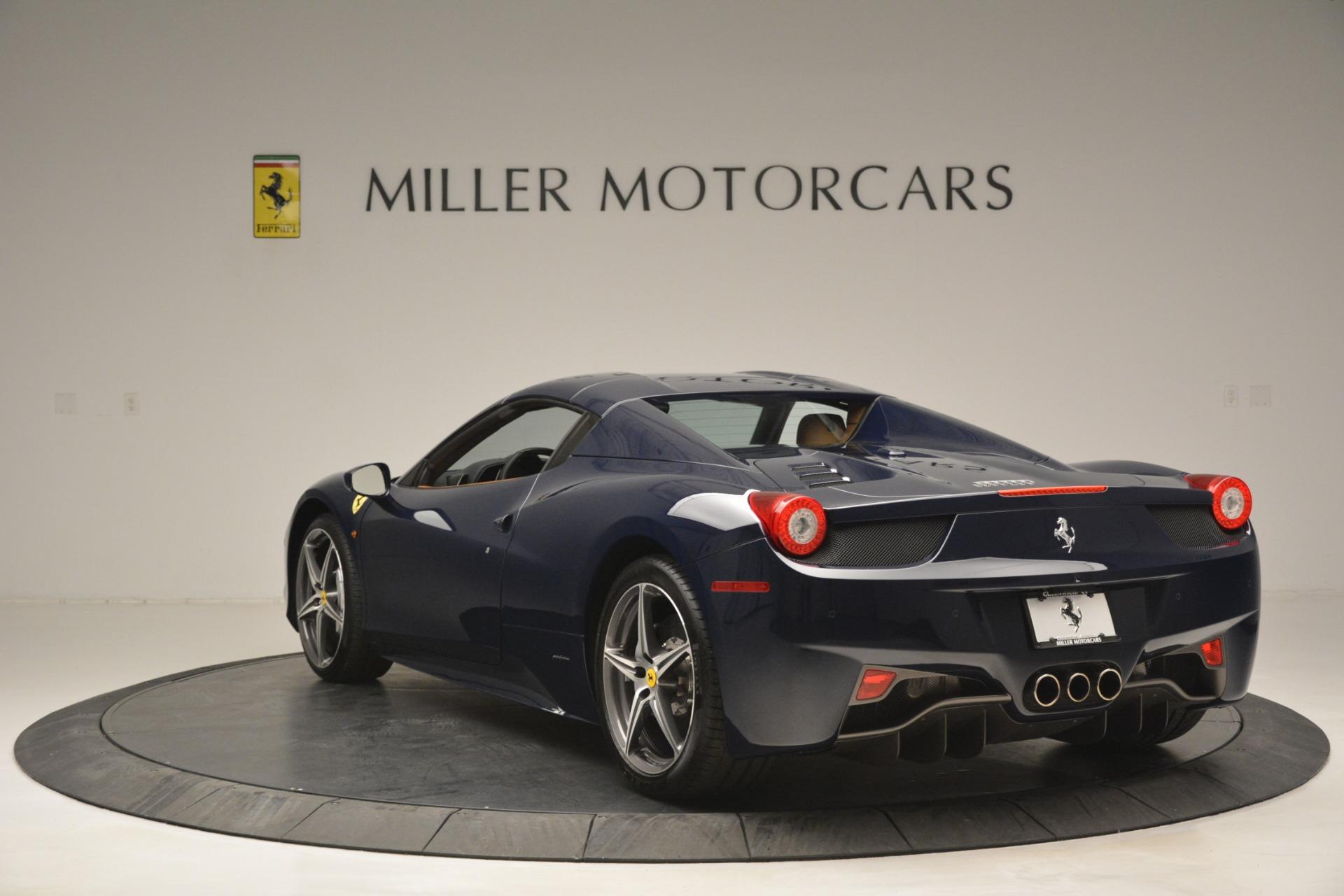Used 2014 Ferrari 458 Spider  For Sale In Westport, CT 3013_p17