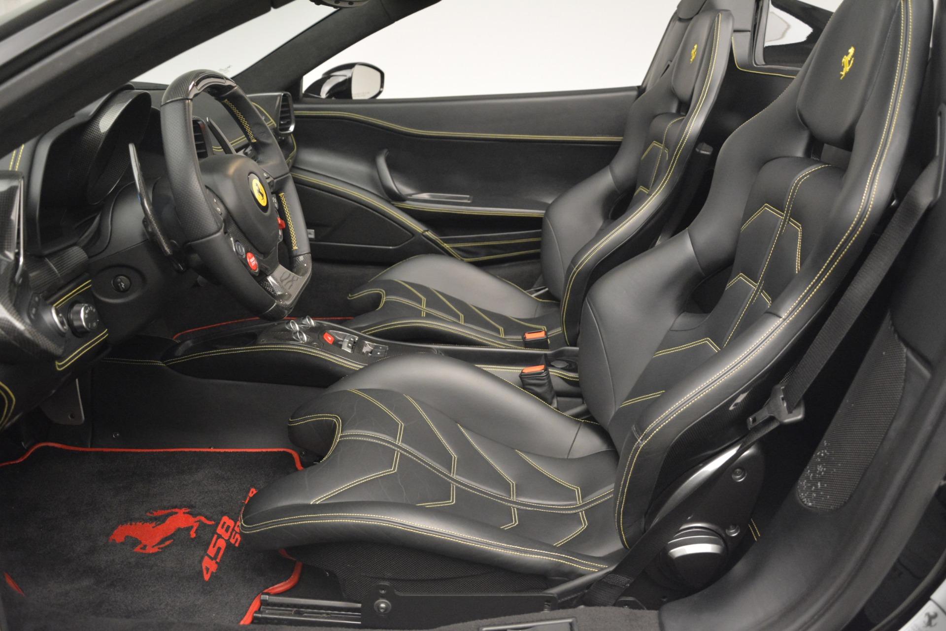 Used 2013 Ferrari 458 Spider  For Sale In Westport, CT 3024_p26