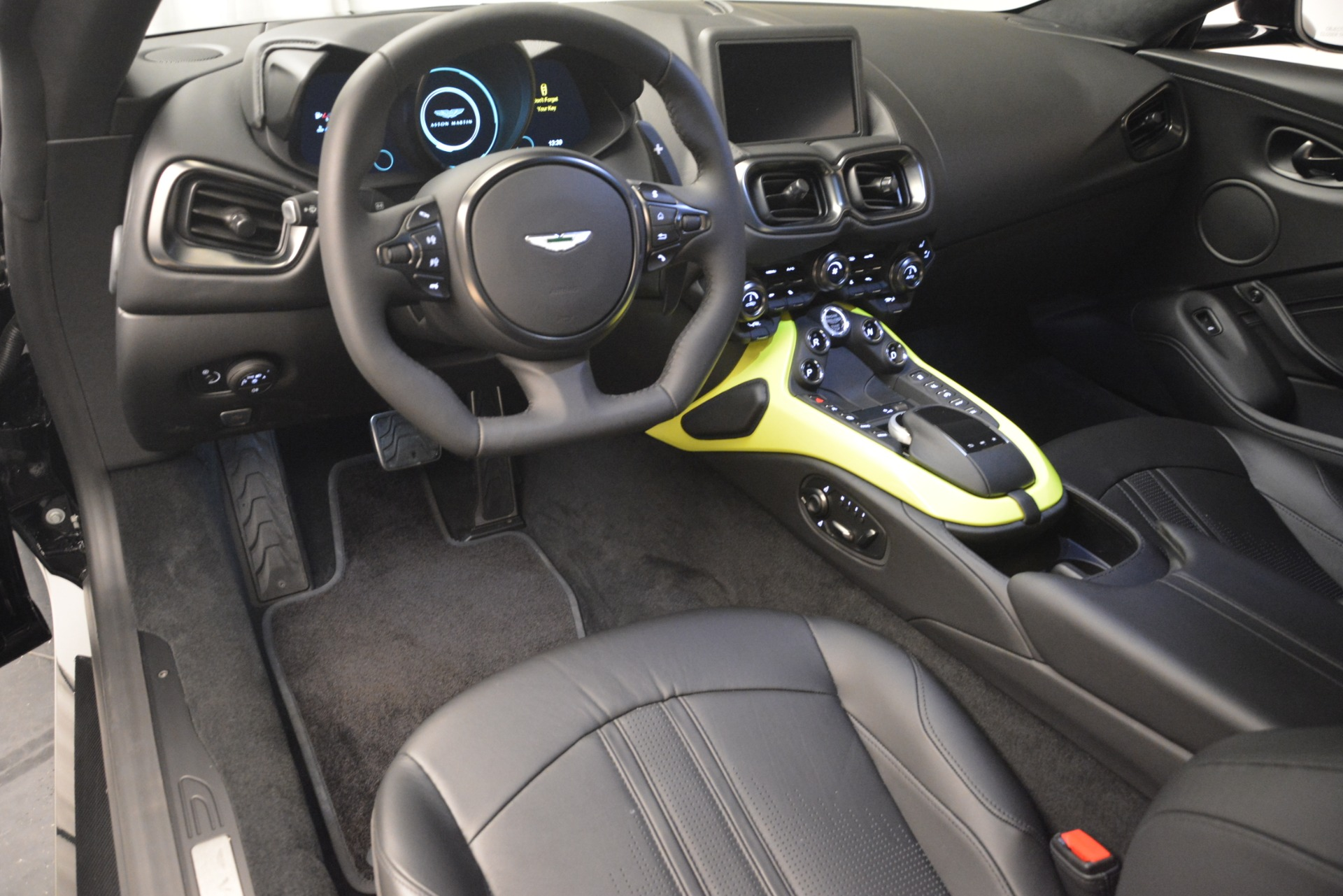 New 2019 Aston Martin Vantage Coupe For Sale In Westport, CT 3030_p14