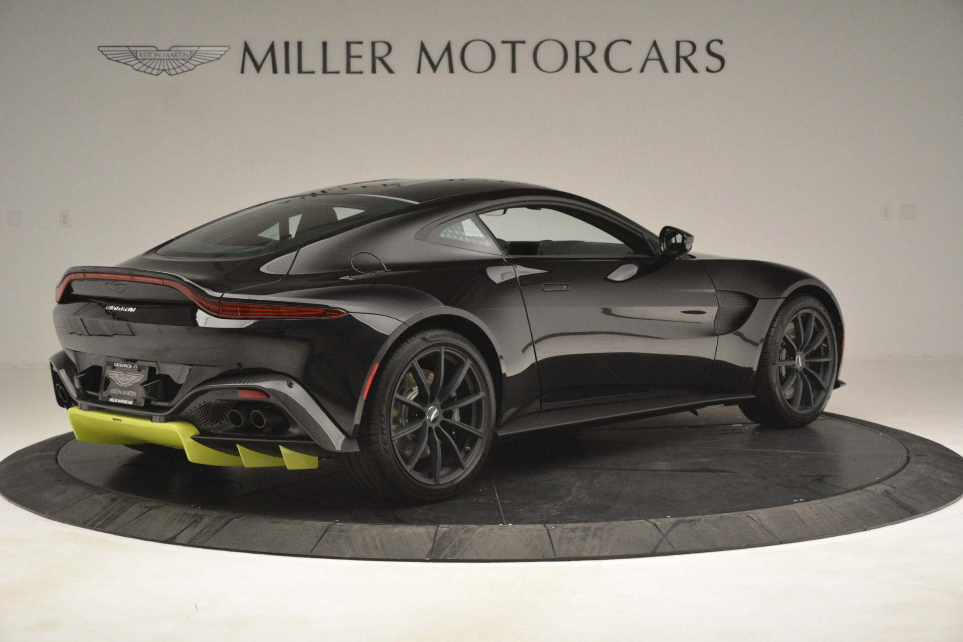 New 2019 Aston Martin Vantage Coupe For Sale In Westport, CT 3030_p9