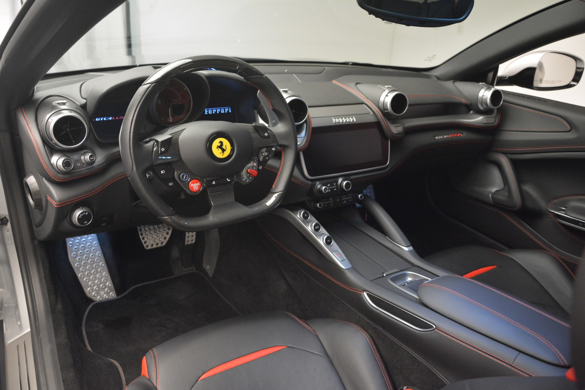 Used 2018 Ferrari GTC4LussoT V8 For Sale In Westport, CT 3031_p13