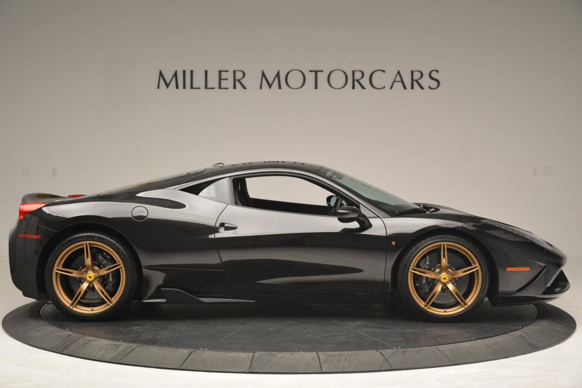 Used 2014 Ferrari 458 Speciale  For Sale In Westport, CT 3036_p9