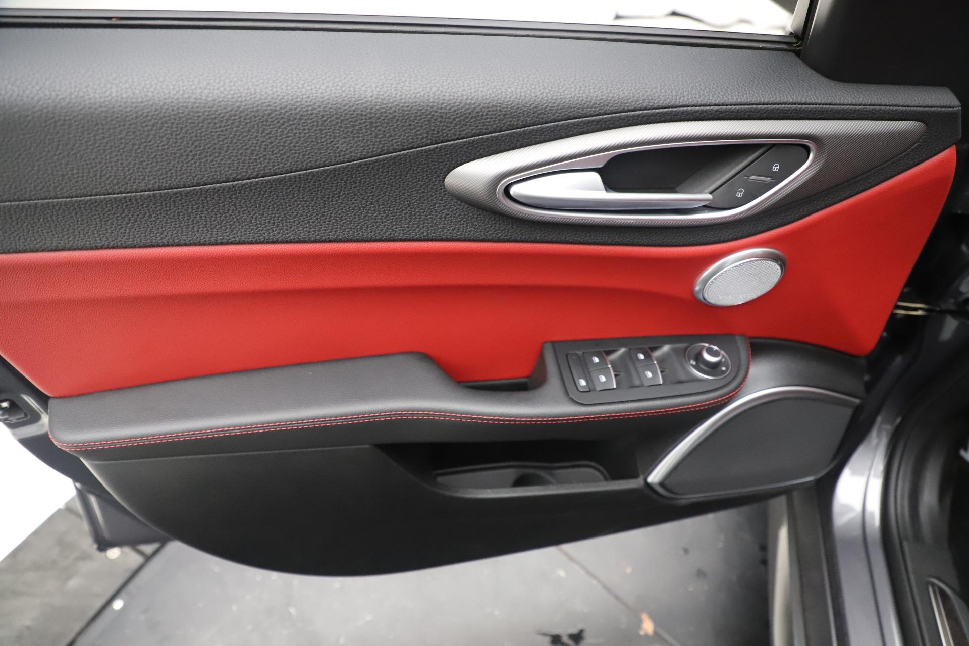 New 2019 Alfa Romeo Giulia Ti Sport Q4 For Sale In Westport, CT 3042_p17