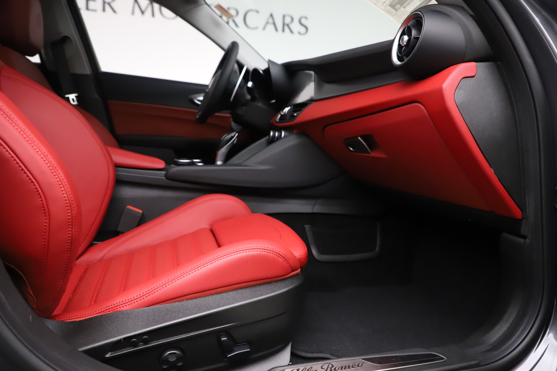 New 2019 Alfa Romeo Giulia Ti Sport Q4 For Sale In Westport, CT 3042_p23
