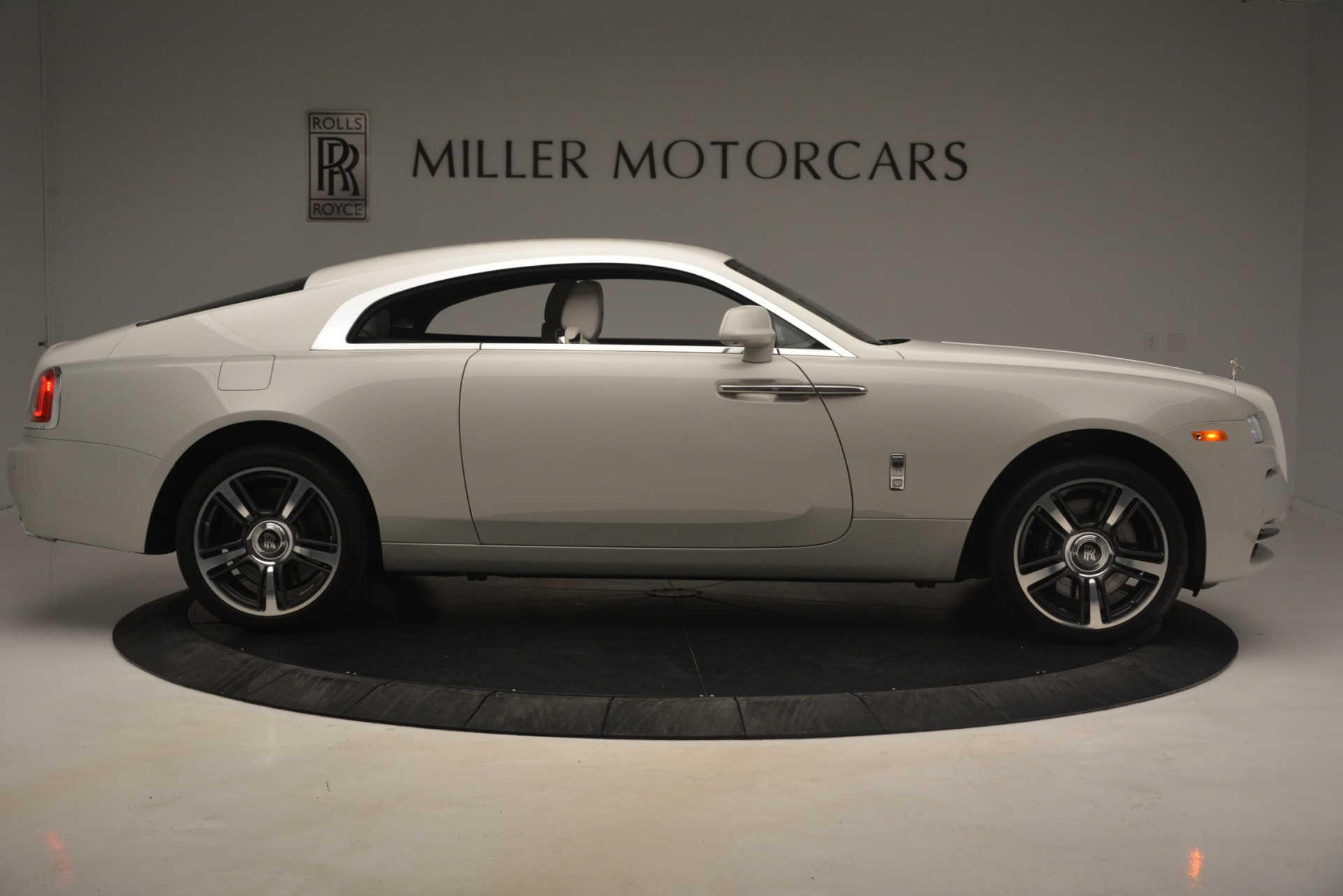 Used 2016 Rolls-Royce Wraith  For Sale In Westport, CT 3043_p11