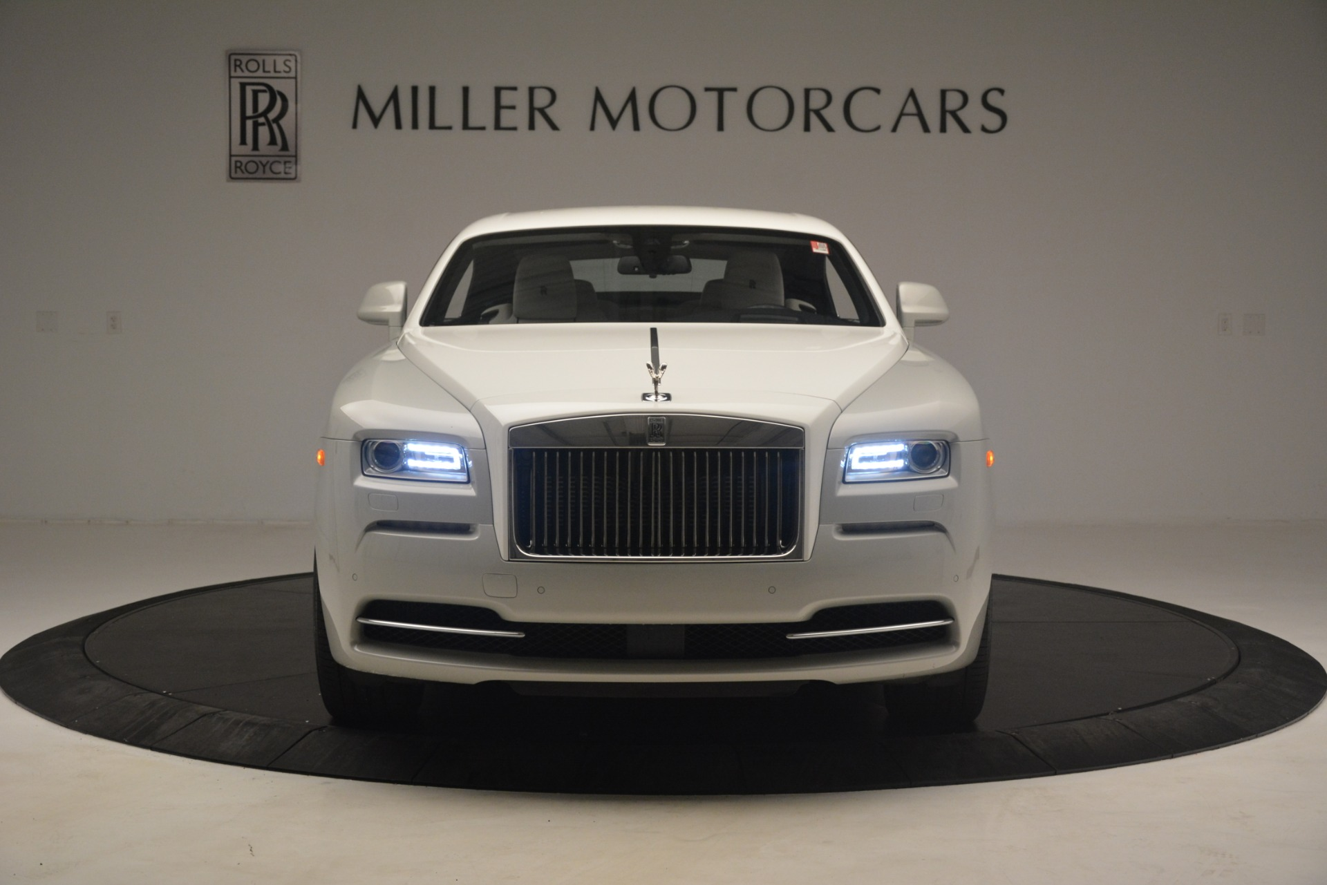 Used 2016 Rolls-Royce Wraith  For Sale In Westport, CT 3043_p2