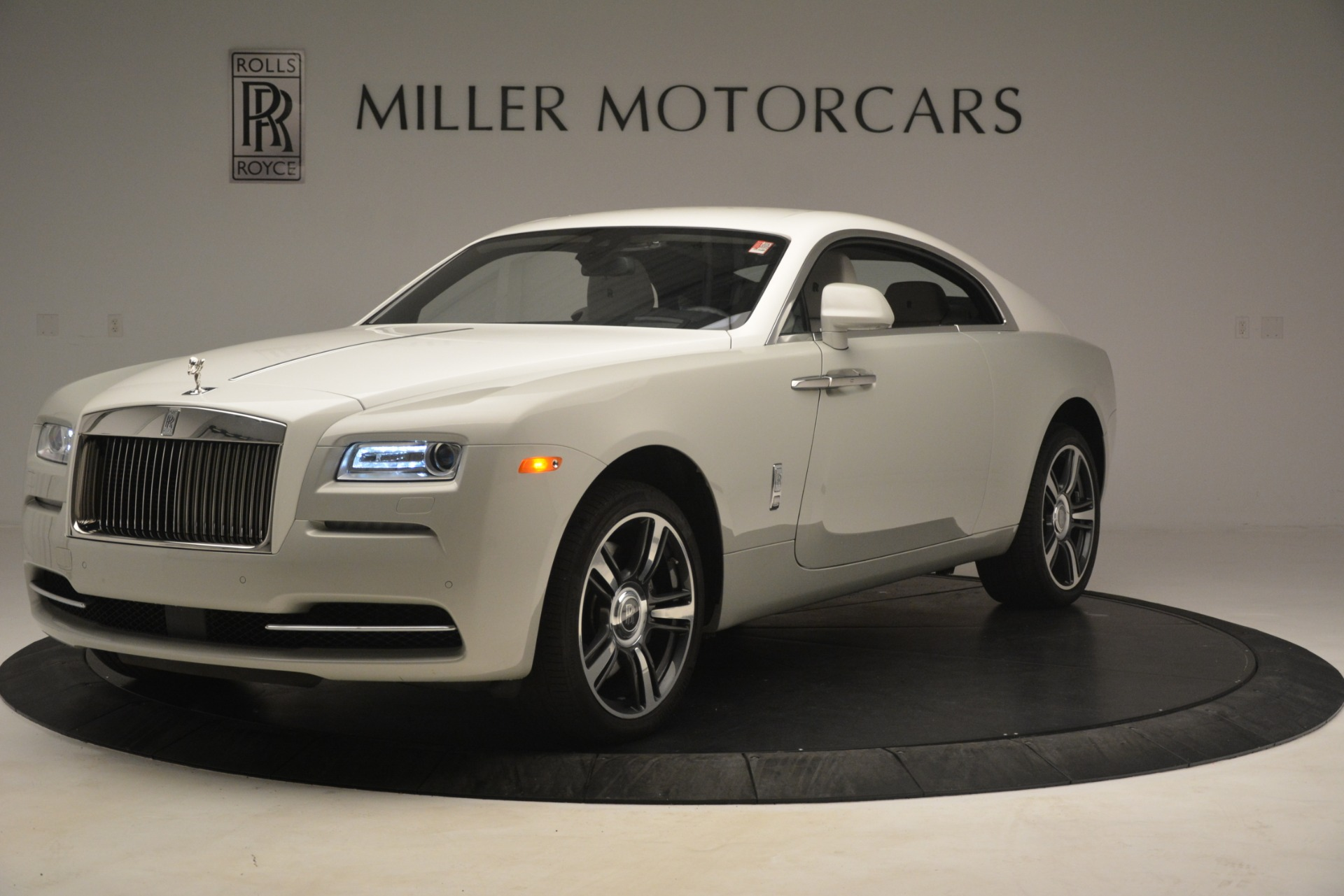 Used 2016 Rolls-Royce Wraith  For Sale In Westport, CT 3043_p3