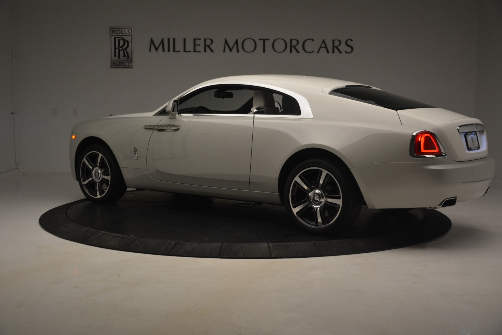 Used 2016 Rolls-Royce Wraith  For Sale In Westport, CT 3043_p5
