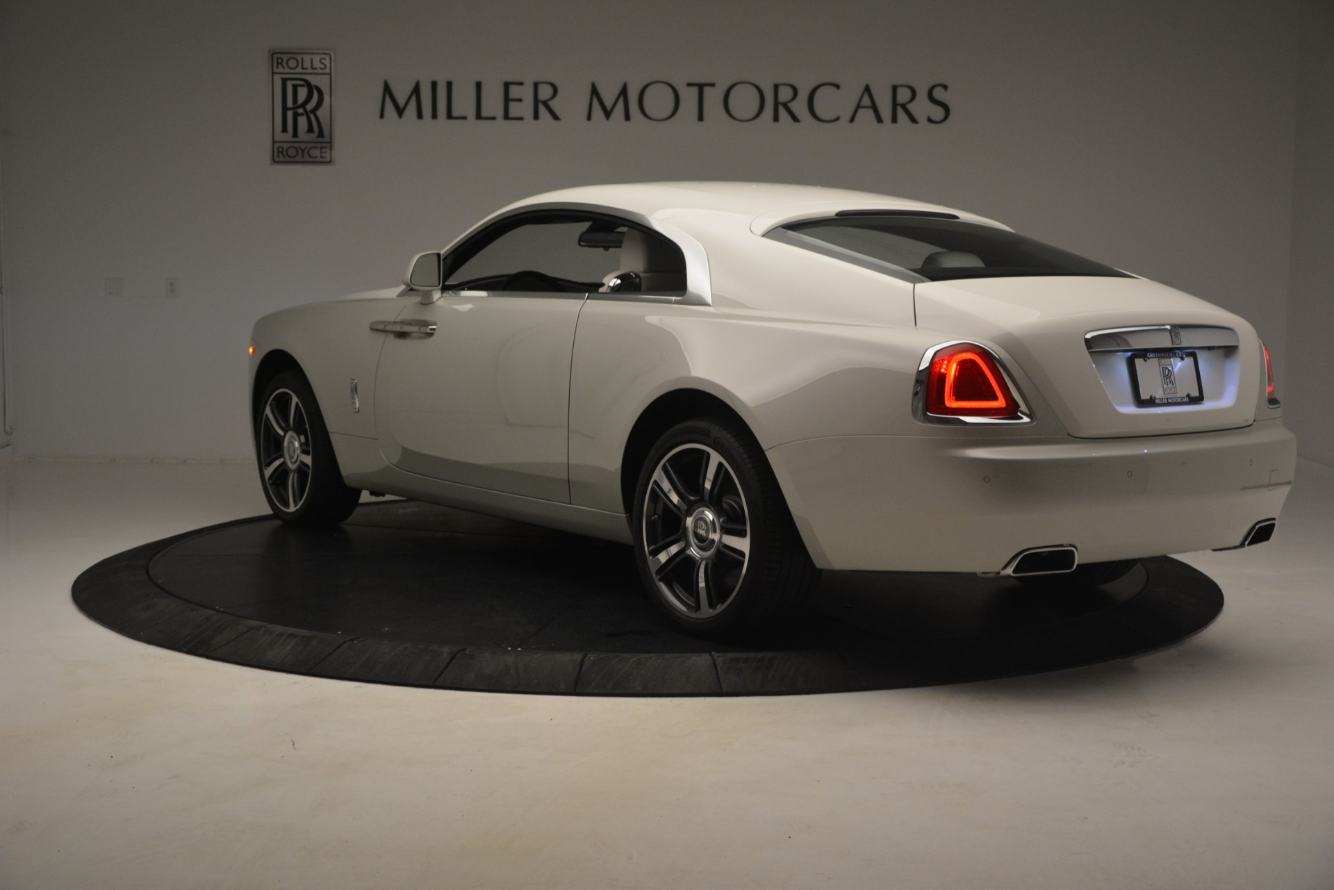 Used 2016 Rolls-Royce Wraith  For Sale In Westport, CT 3043_p6