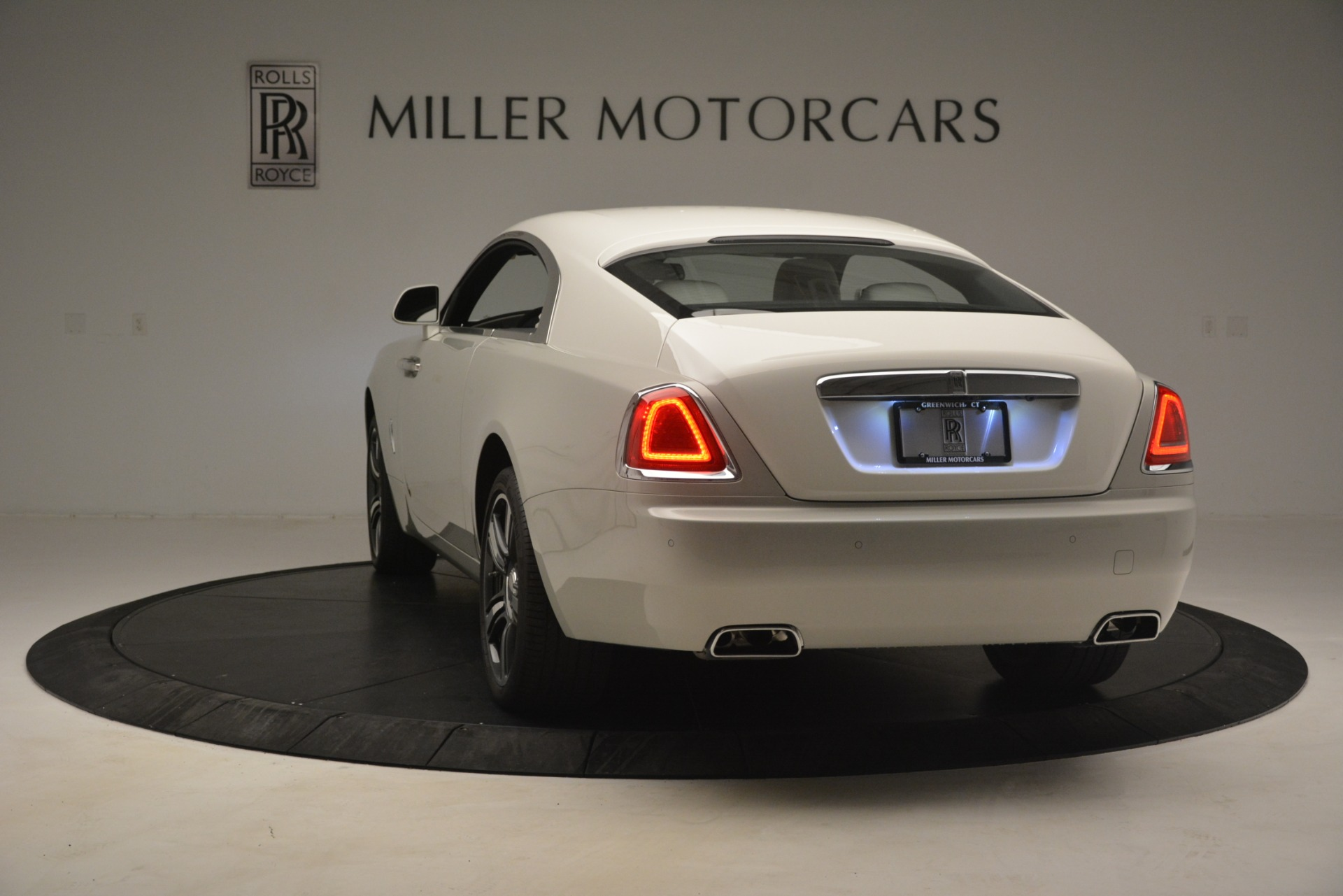 Used 2016 Rolls-Royce Wraith  For Sale In Westport, CT 3043_p7