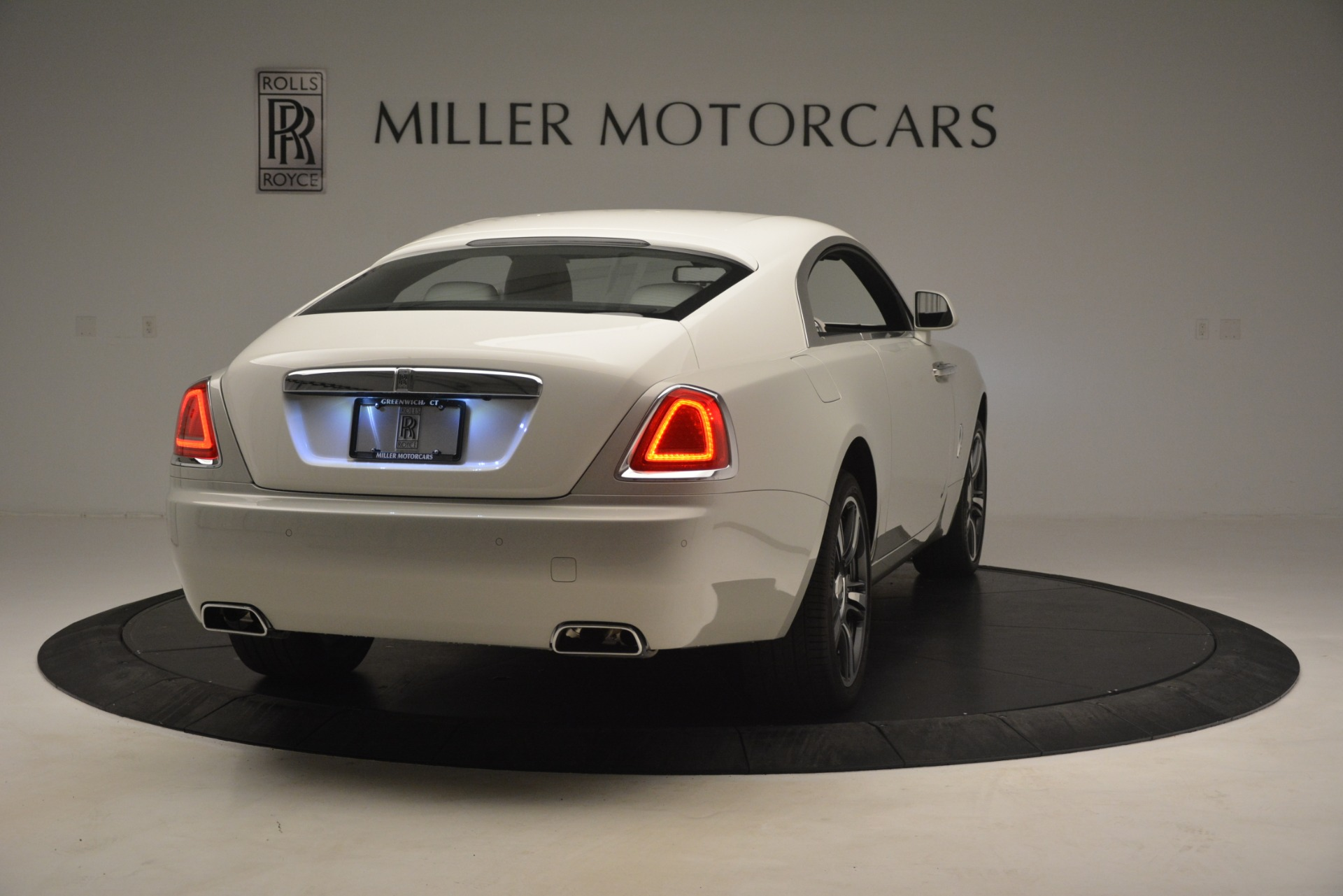 Used 2016 Rolls-Royce Wraith  For Sale In Westport, CT 3043_p9