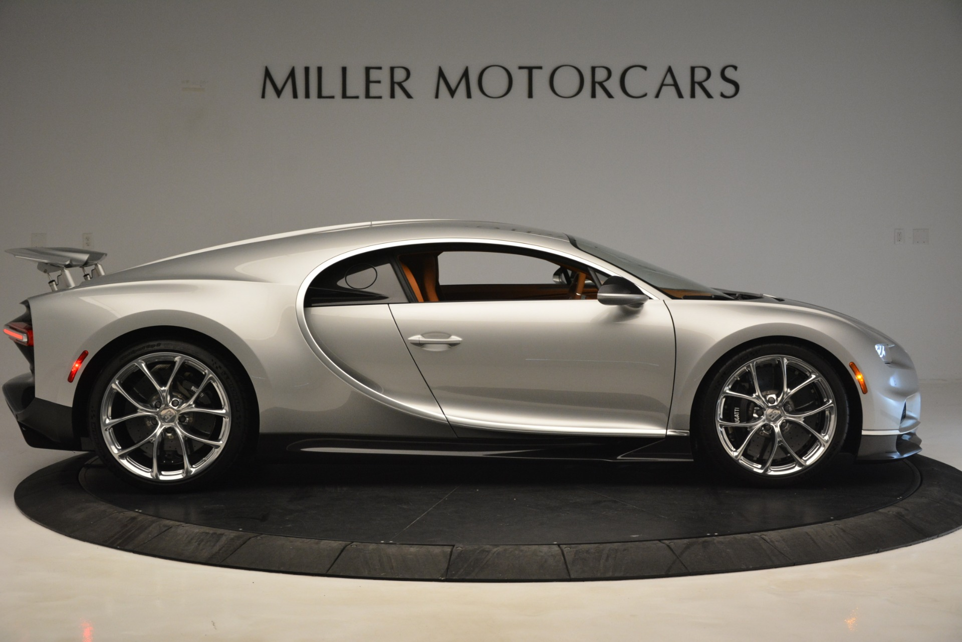 Used 2019 Bugatti Chiron  For Sale In Westport, CT 3048_p15