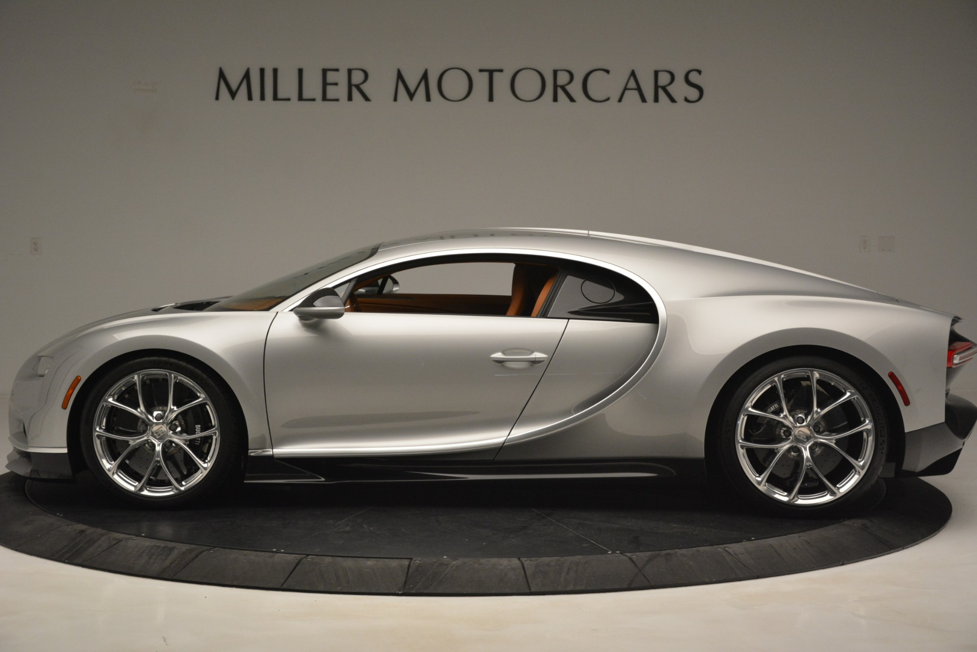 Used 2019 Bugatti Chiron  For Sale In Westport, CT 3048_p3