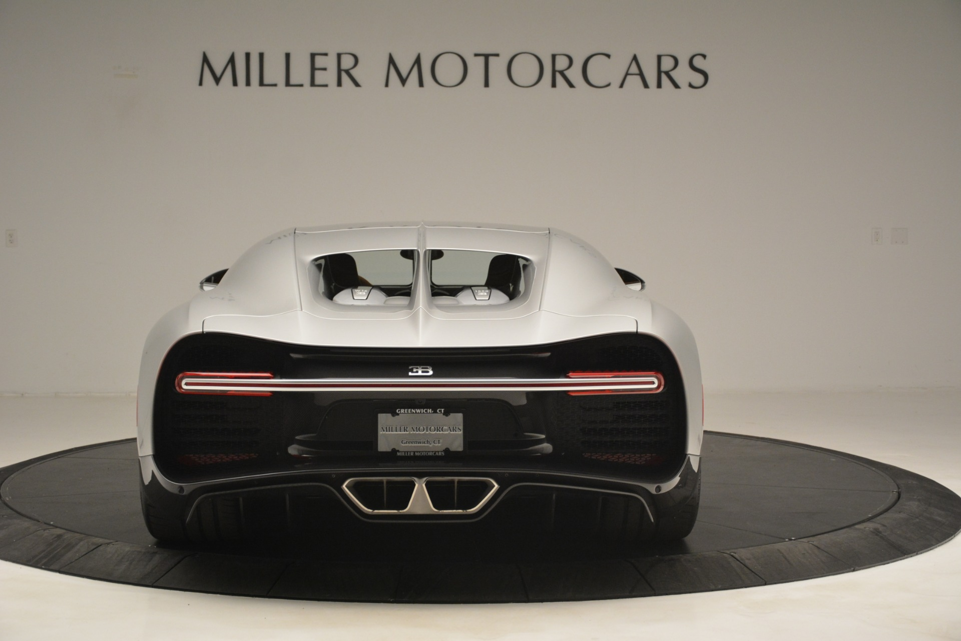 Used 2019 Bugatti Chiron  For Sale In Westport, CT 3048_p6