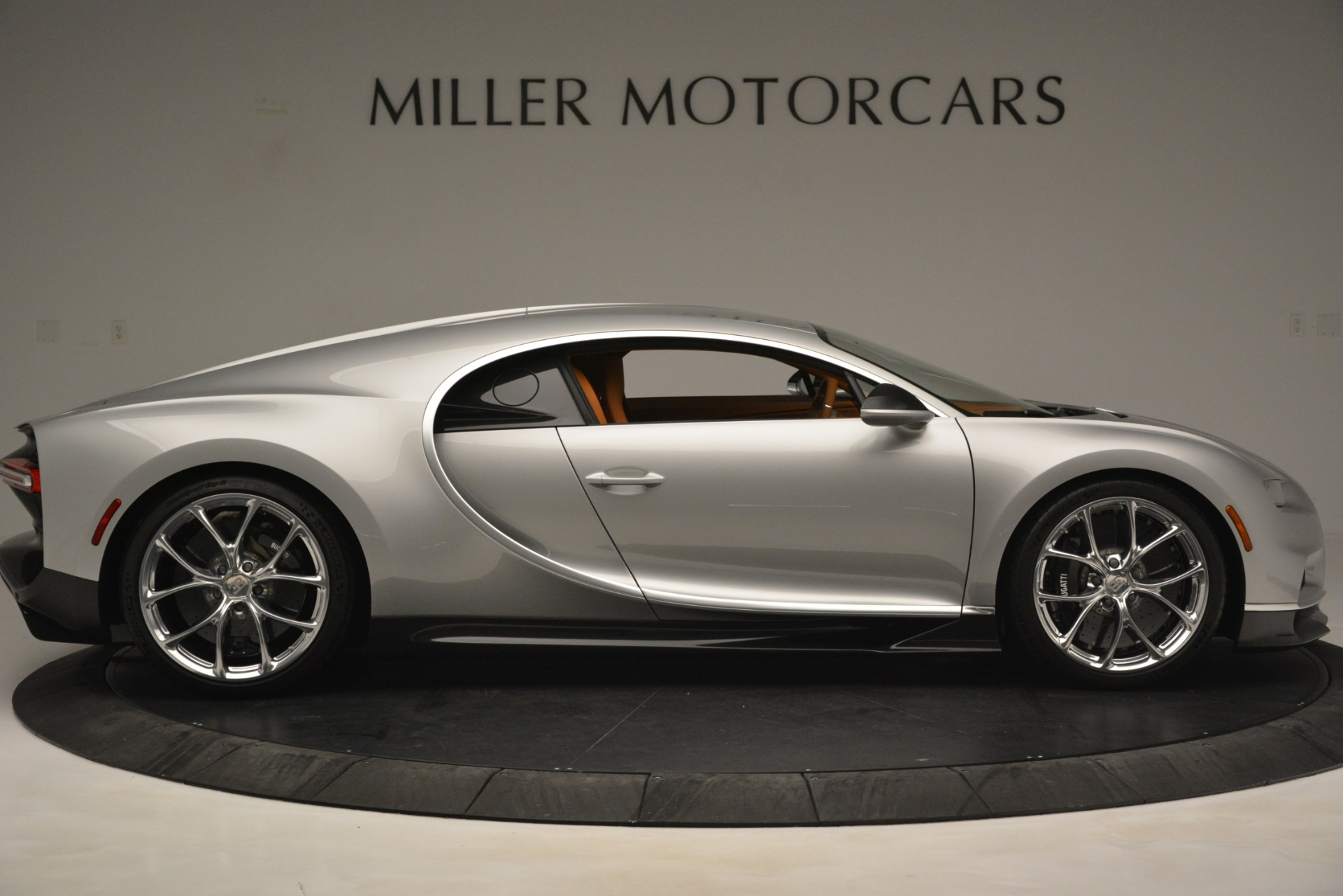 Used 2019 Bugatti Chiron  For Sale In Westport, CT 3048_p9