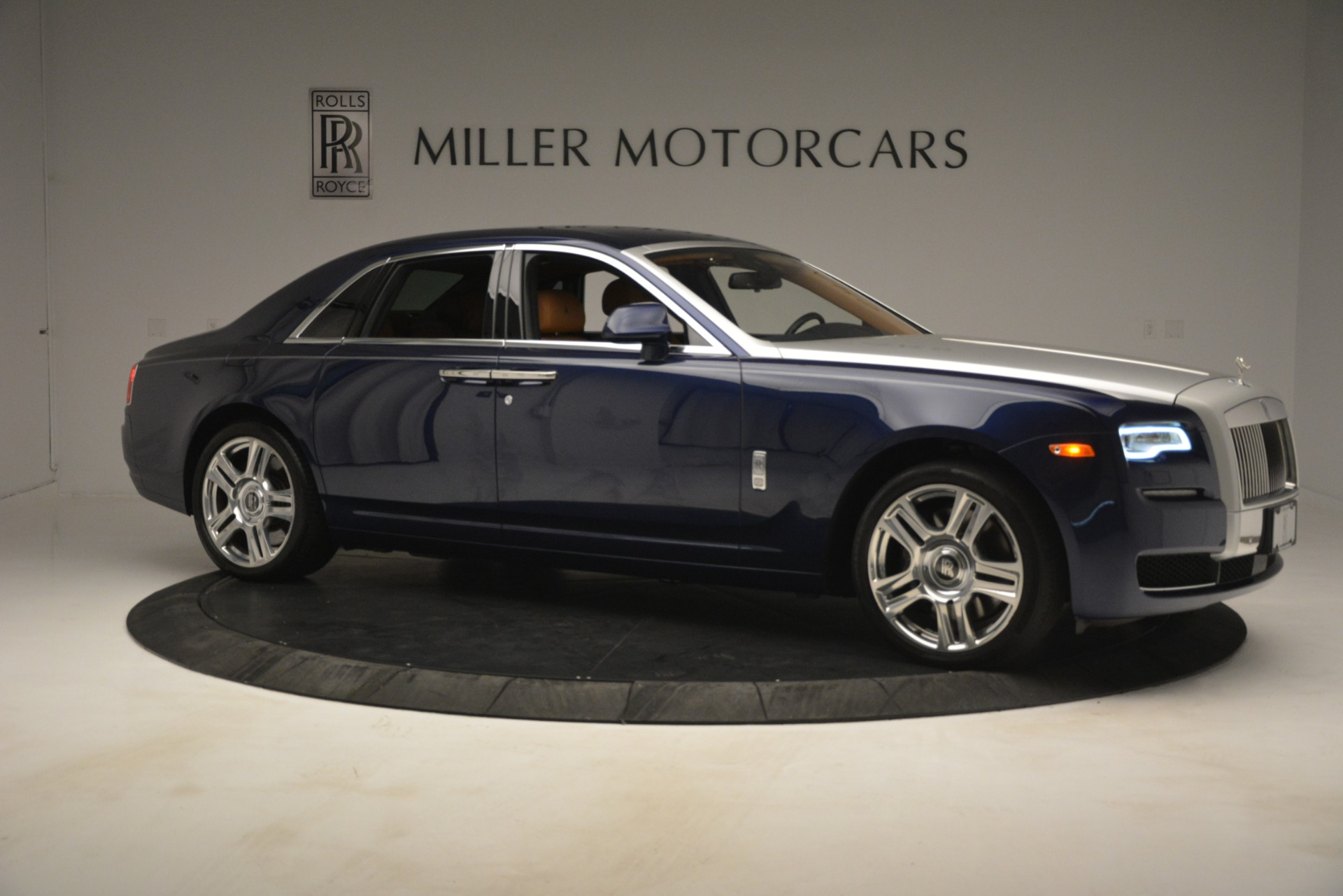 Used 2016 Rolls-Royce Ghost  For Sale In Westport, CT 3050_p13