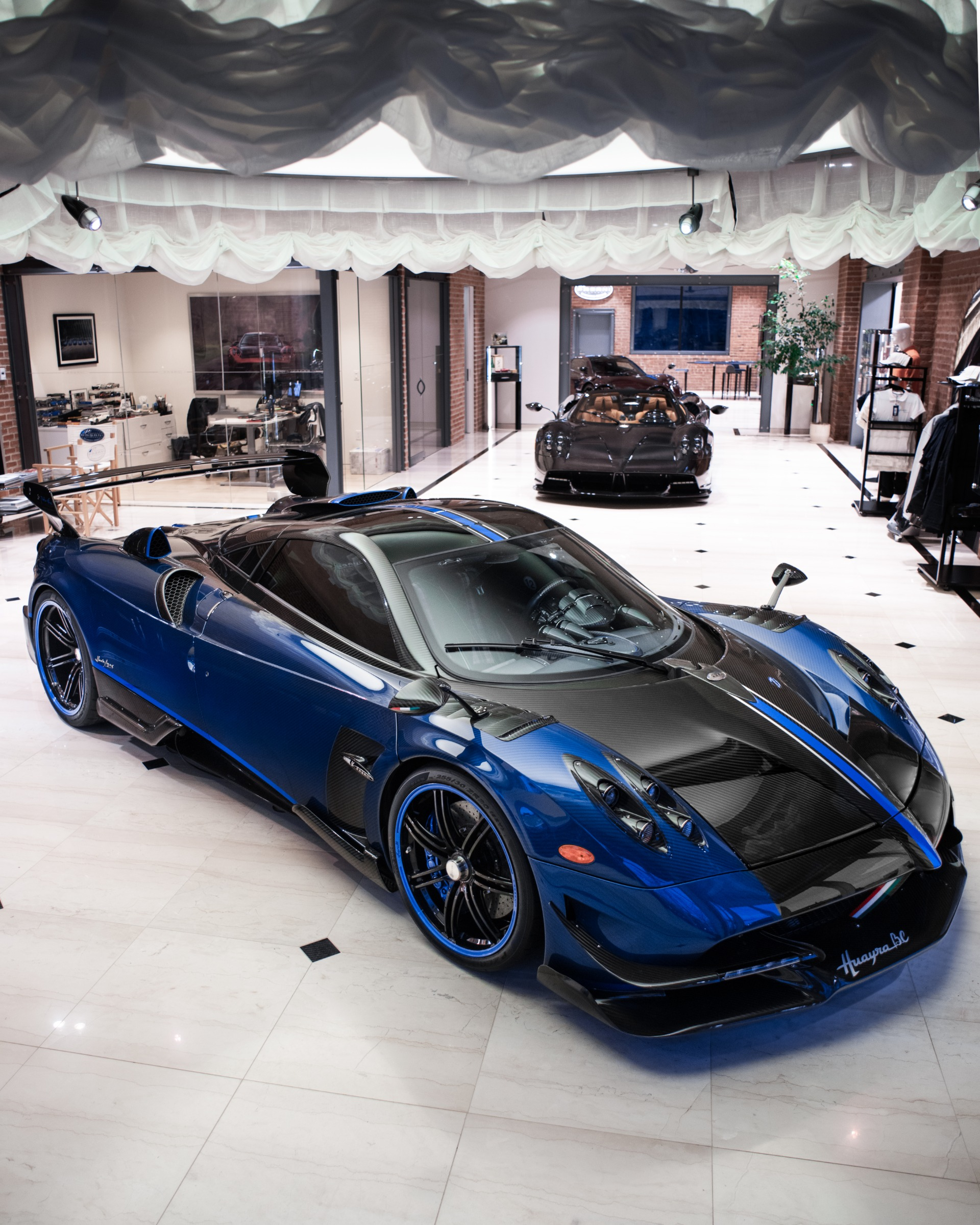 Used 2017 Pagani Huayra BC Macchina Volante For Sale In Westport, CT 3051_p4