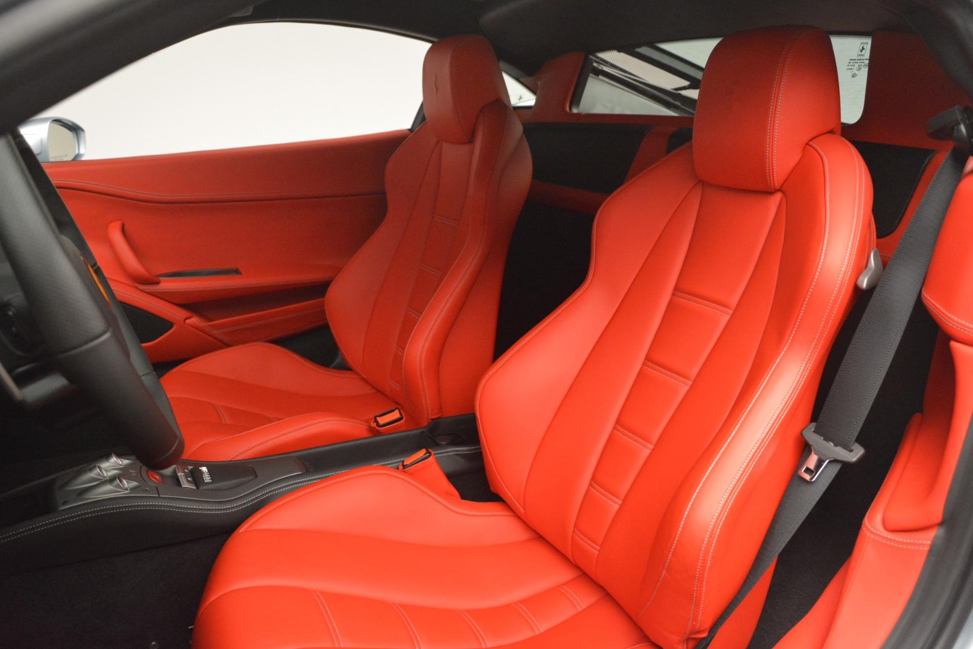 Used 2015 Ferrari 458 Italia  For Sale In Westport, CT 3052_p15