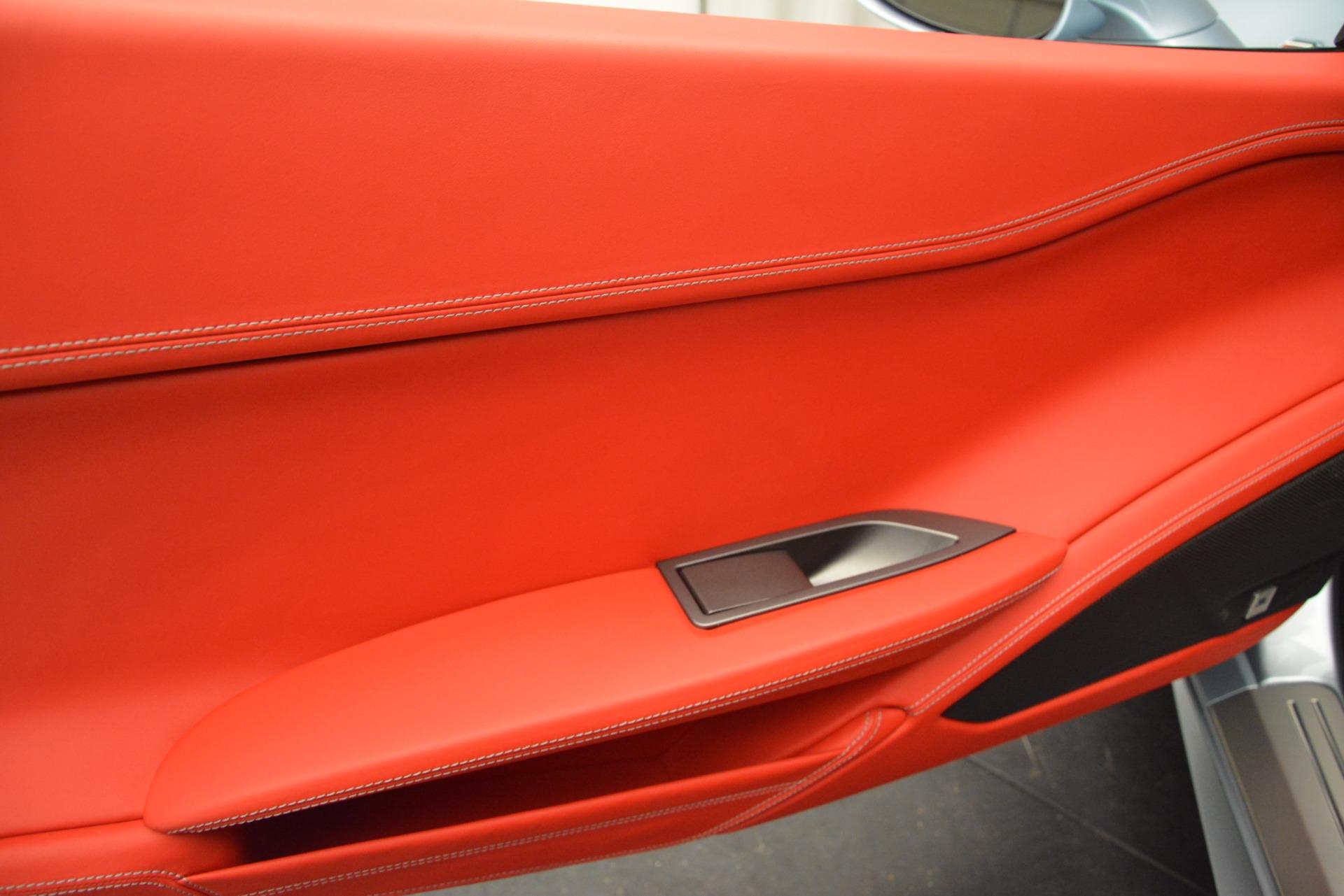 Used 2015 Ferrari 458 Italia  For Sale In Westport, CT 3052_p16