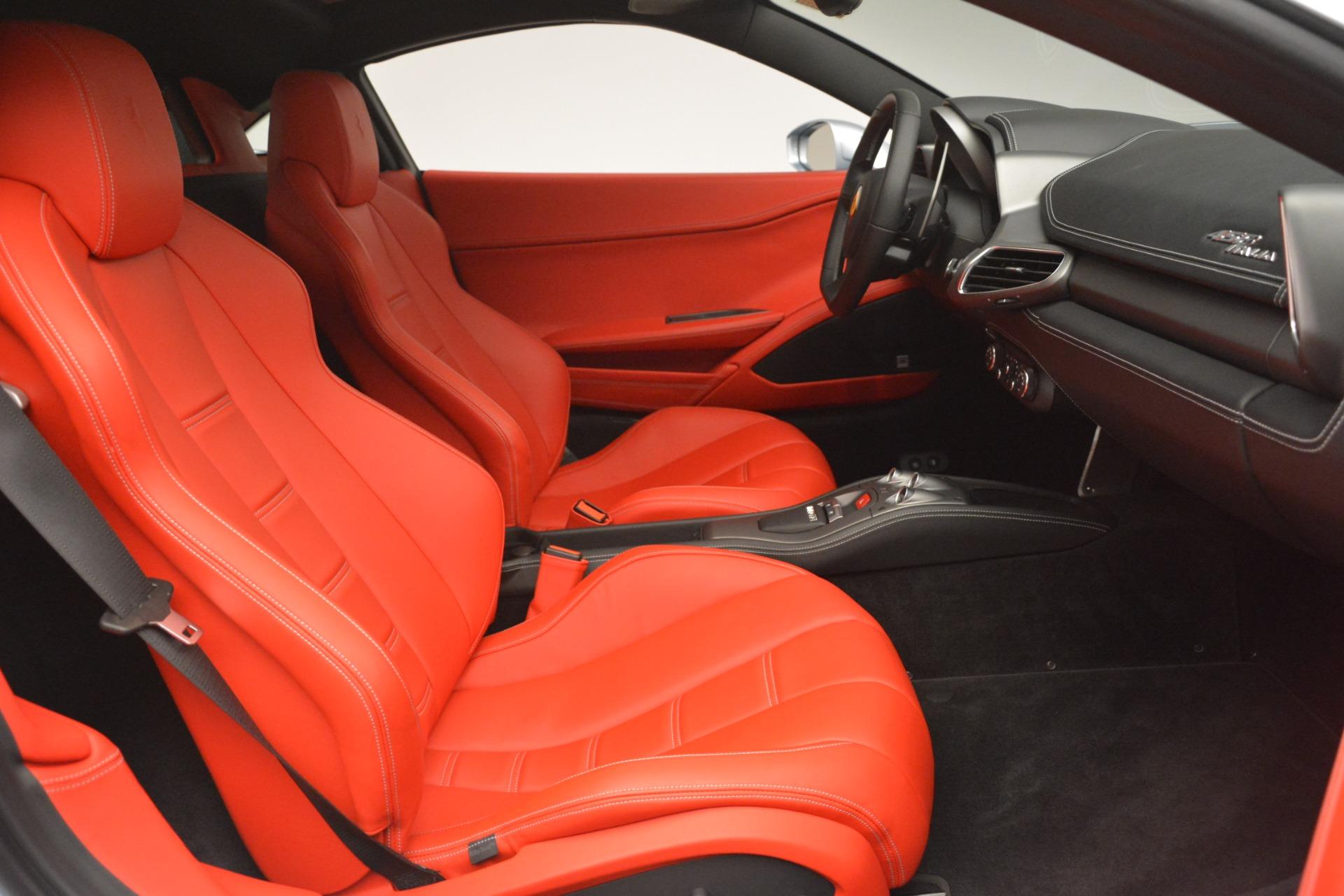 Used 2015 Ferrari 458 Italia  For Sale In Westport, CT 3052_p18