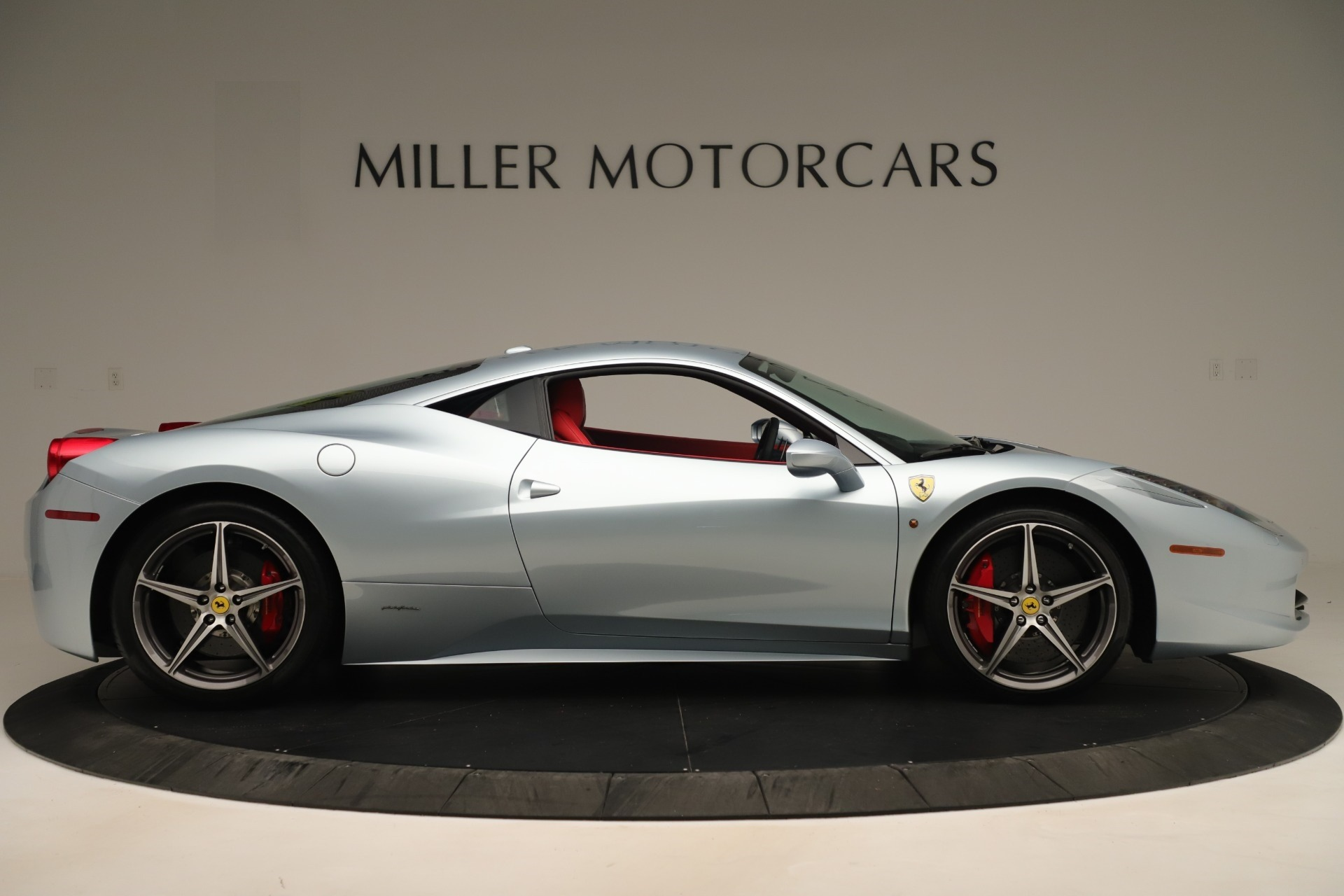 Used 2015 Ferrari 458 Italia  For Sale In Westport, CT 3052_p9
