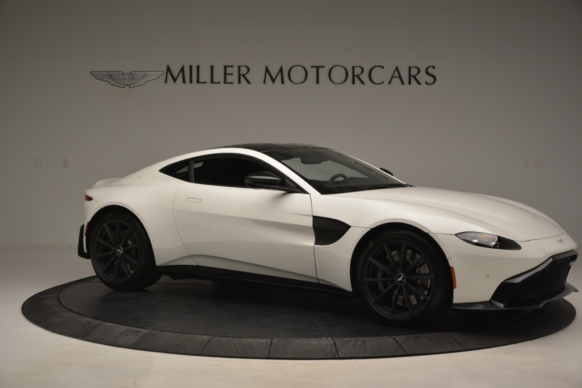 New 2019 Aston Martin Vantage V8 For Sale In Westport, CT 3053_p10