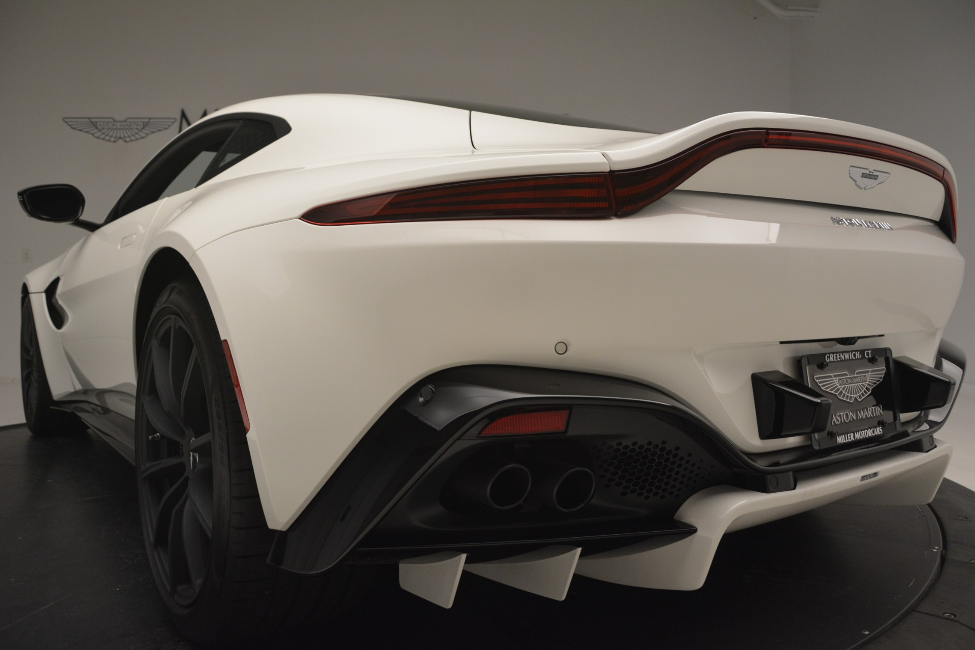 New 2019 Aston Martin Vantage V8 For Sale In Westport, CT 3053_p21