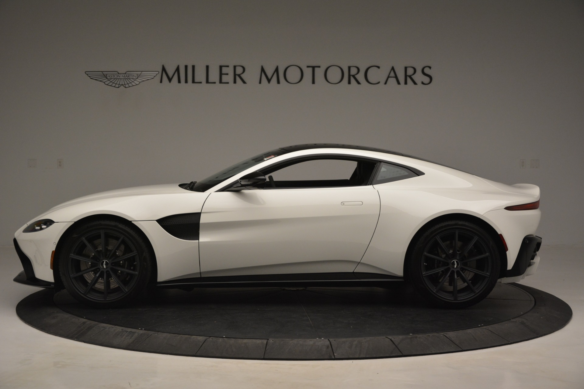 New 2019 Aston Martin Vantage V8 For Sale In Westport, CT 3053_p3