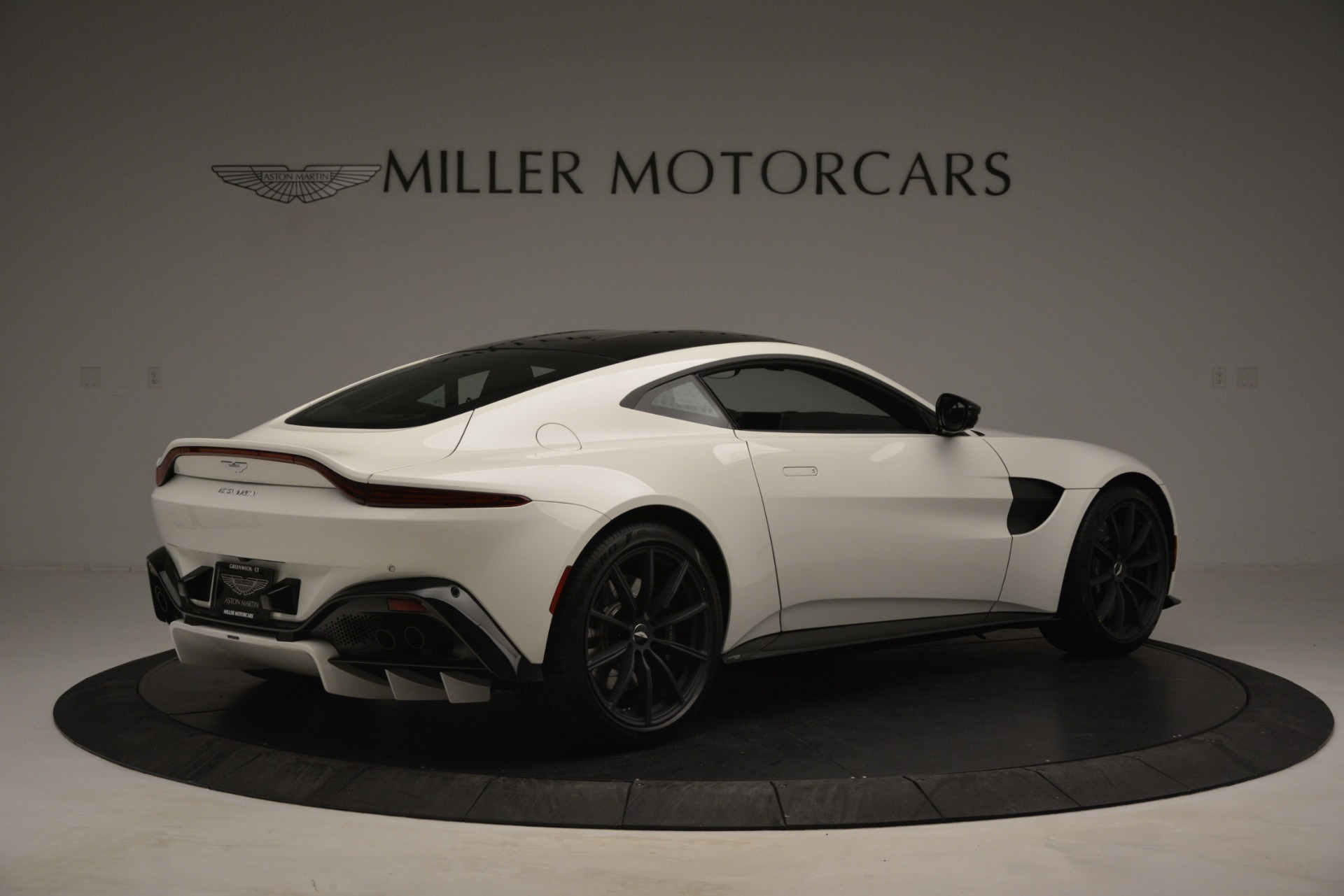 New 2019 Aston Martin Vantage V8 For Sale In Westport, CT 3053_p8