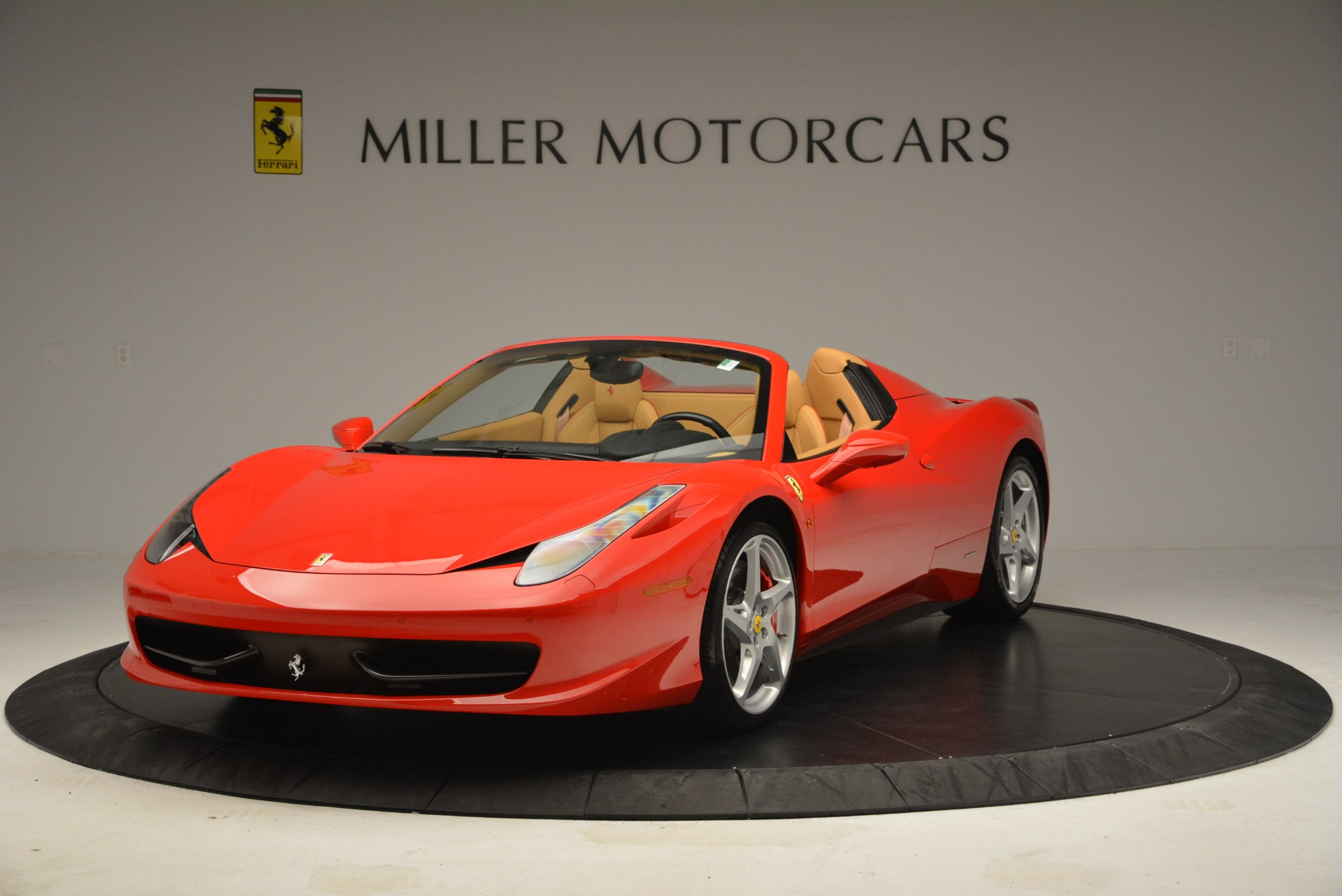Used 2013 Ferrari 458 Spider  For Sale In Westport, CT 3057_main