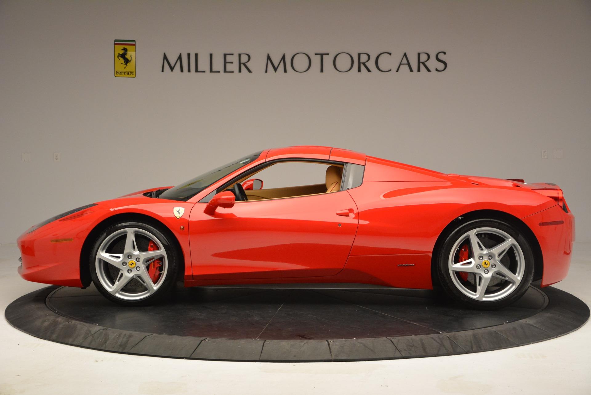 Used 2013 Ferrari 458 Spider  For Sale In Westport, CT 3057_p15
