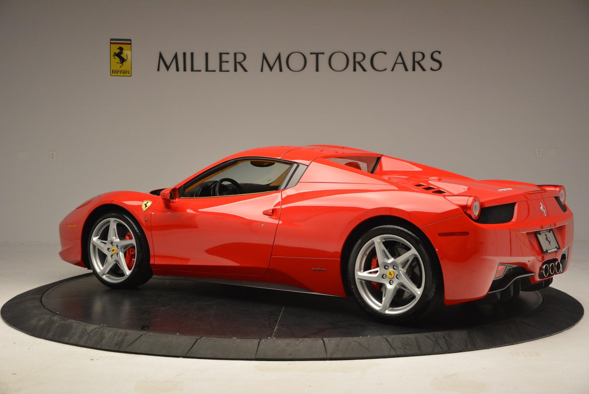 Used 2013 Ferrari 458 Spider  For Sale In Westport, CT 3057_p16