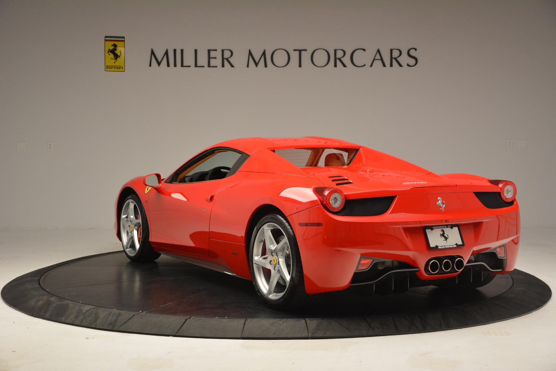 Used 2013 Ferrari 458 Spider  For Sale In Westport, CT 3057_p17