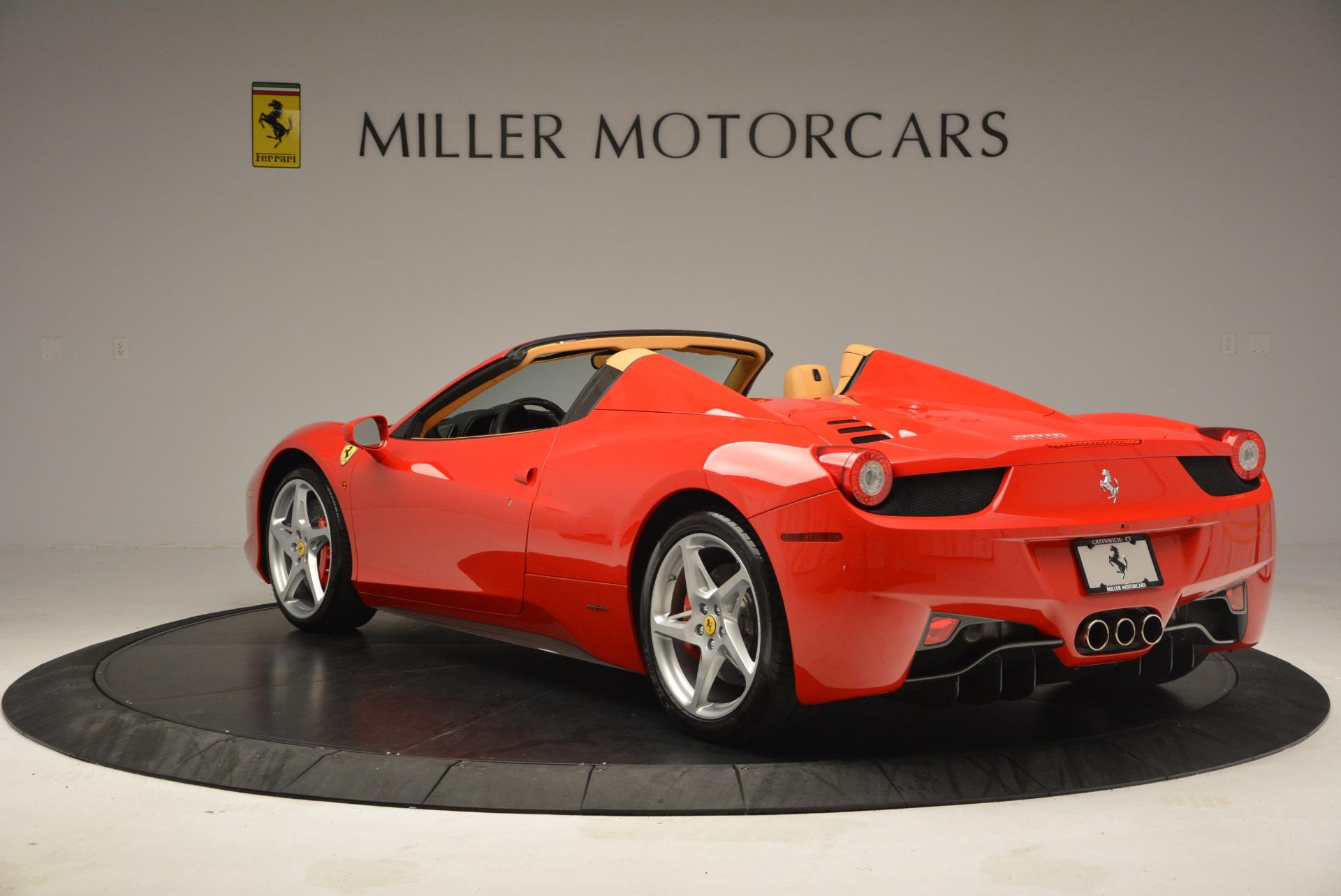 Used 2013 Ferrari 458 Spider  For Sale In Westport, CT 3057_p5