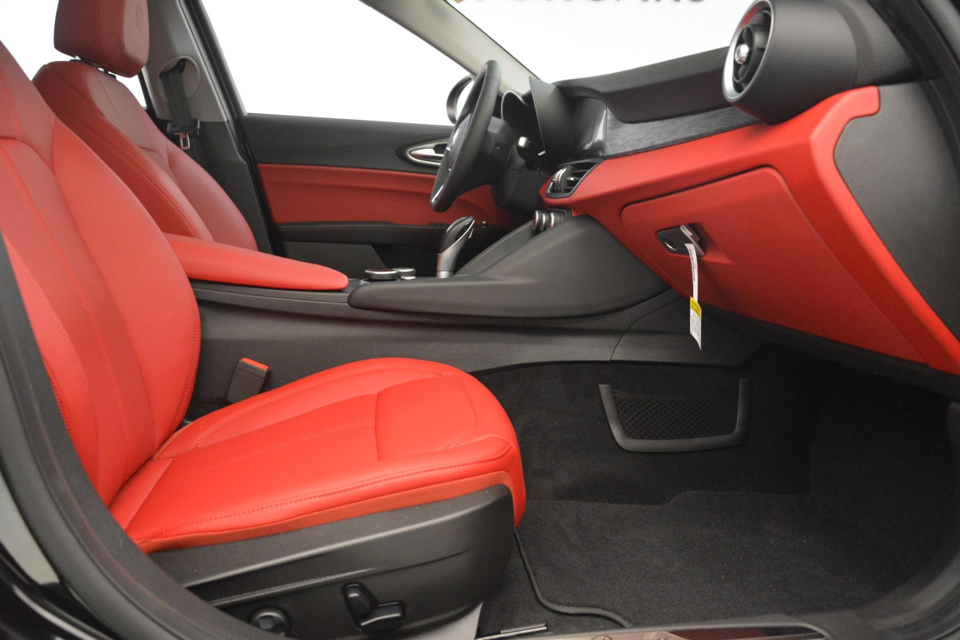 New 2019 Alfa Romeo Giulia Q4 For Sale In Westport, CT 3069_p23