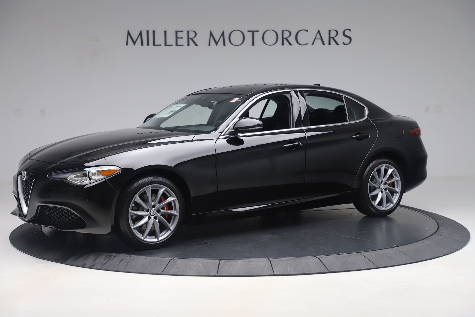New 2019 Alfa Romeo Giulia Q4 For Sale In Westport, CT 3072_p2