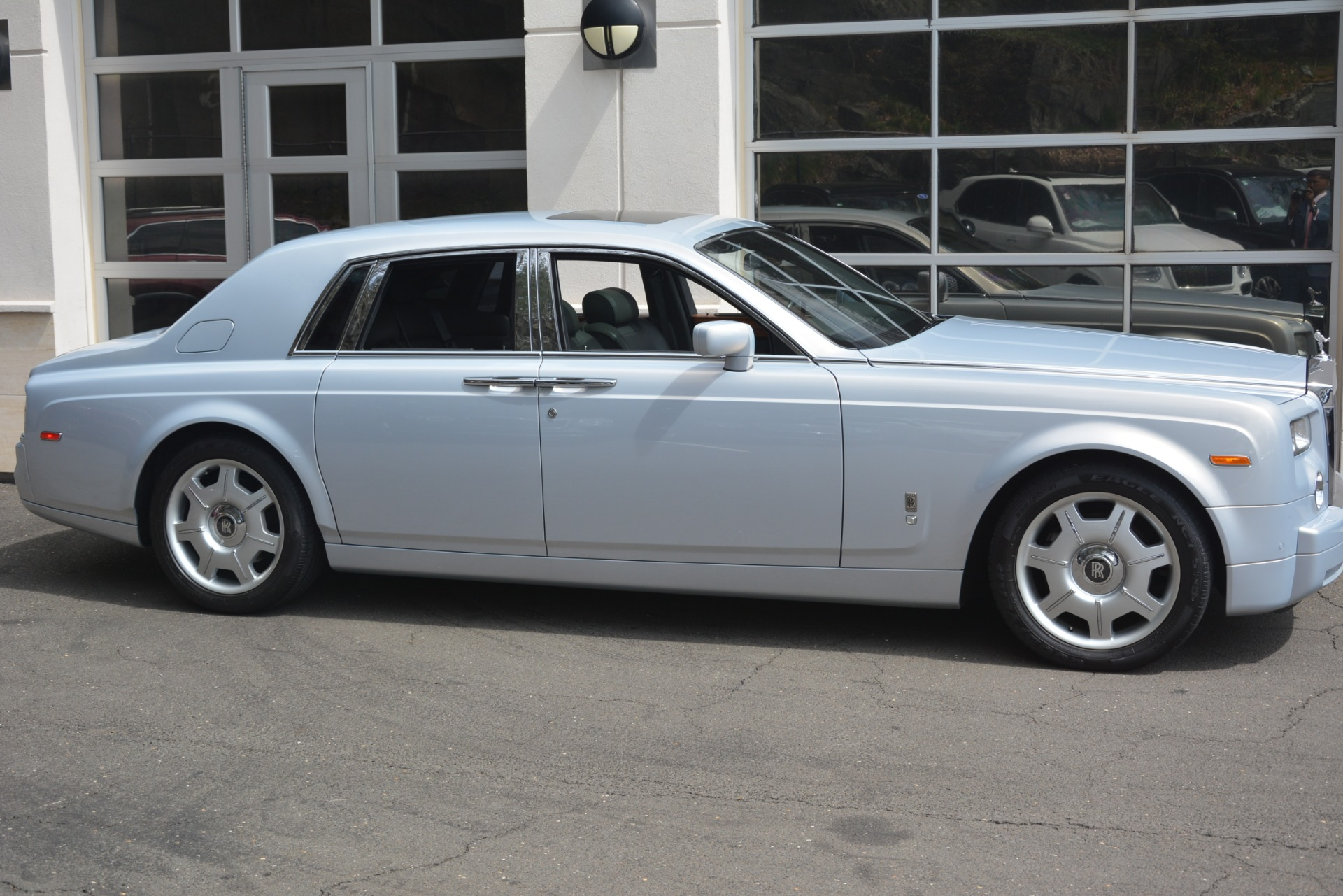Used 2007 Rolls-Royce Phantom  For Sale In Westport, CT 3089_p10