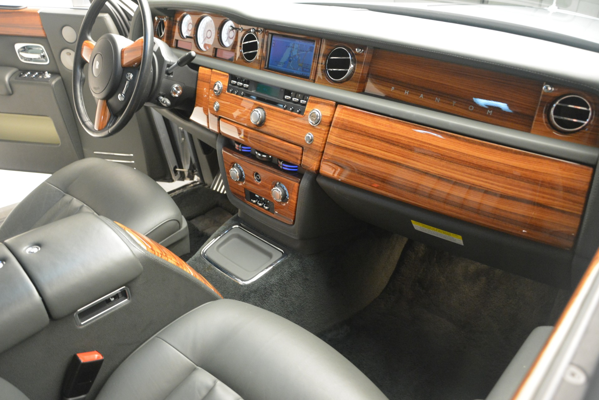 Used 2007 Rolls-Royce Phantom  For Sale In Westport, CT 3089_p22