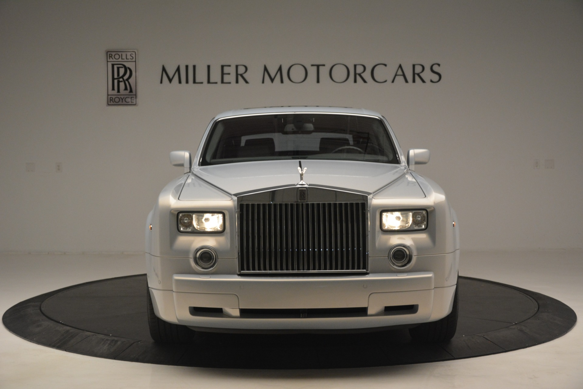 Used 2007 Rolls-Royce Phantom  For Sale In Westport, CT 3089_p2