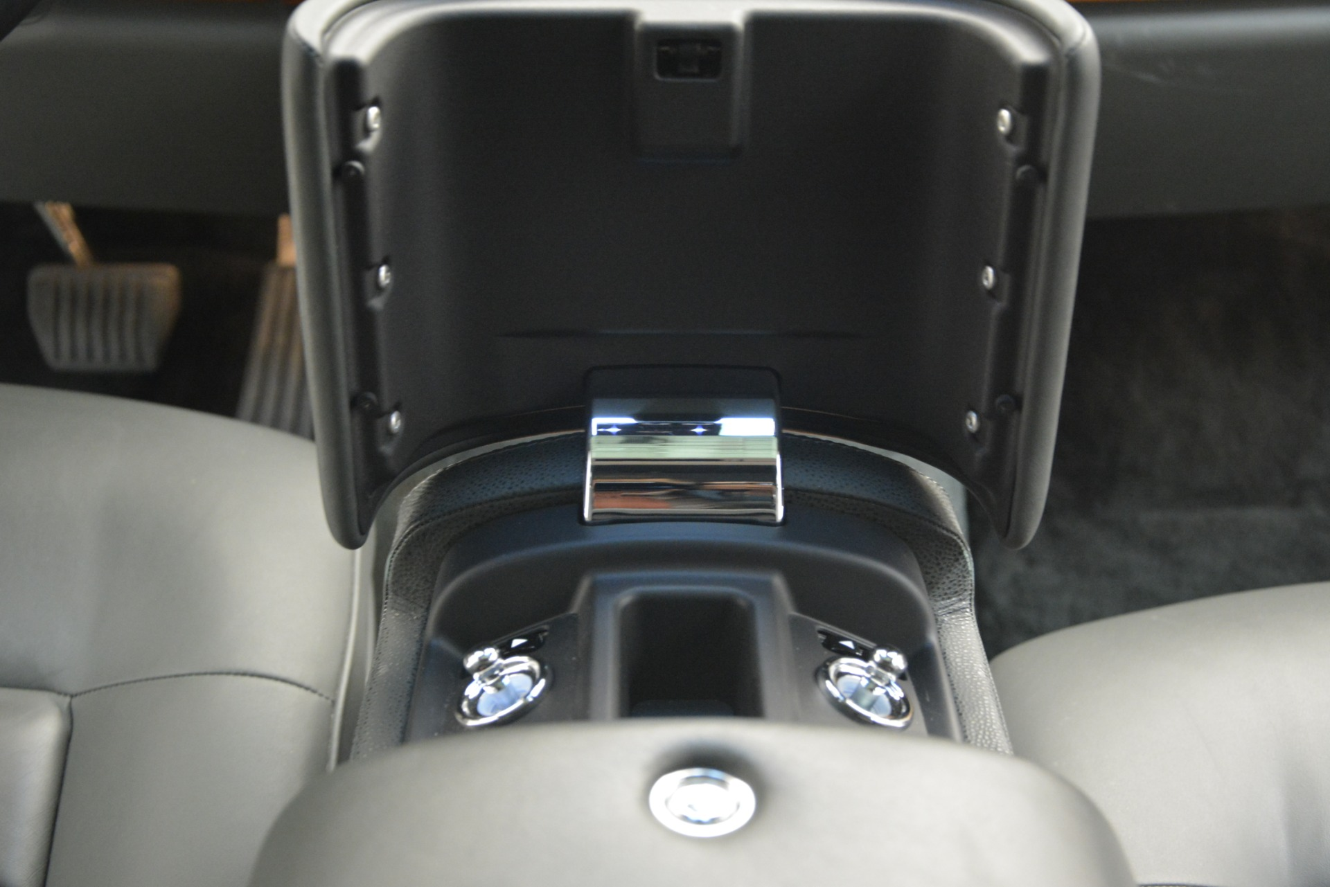 Used 2007 Rolls-Royce Phantom  For Sale In Westport, CT 3089_p34