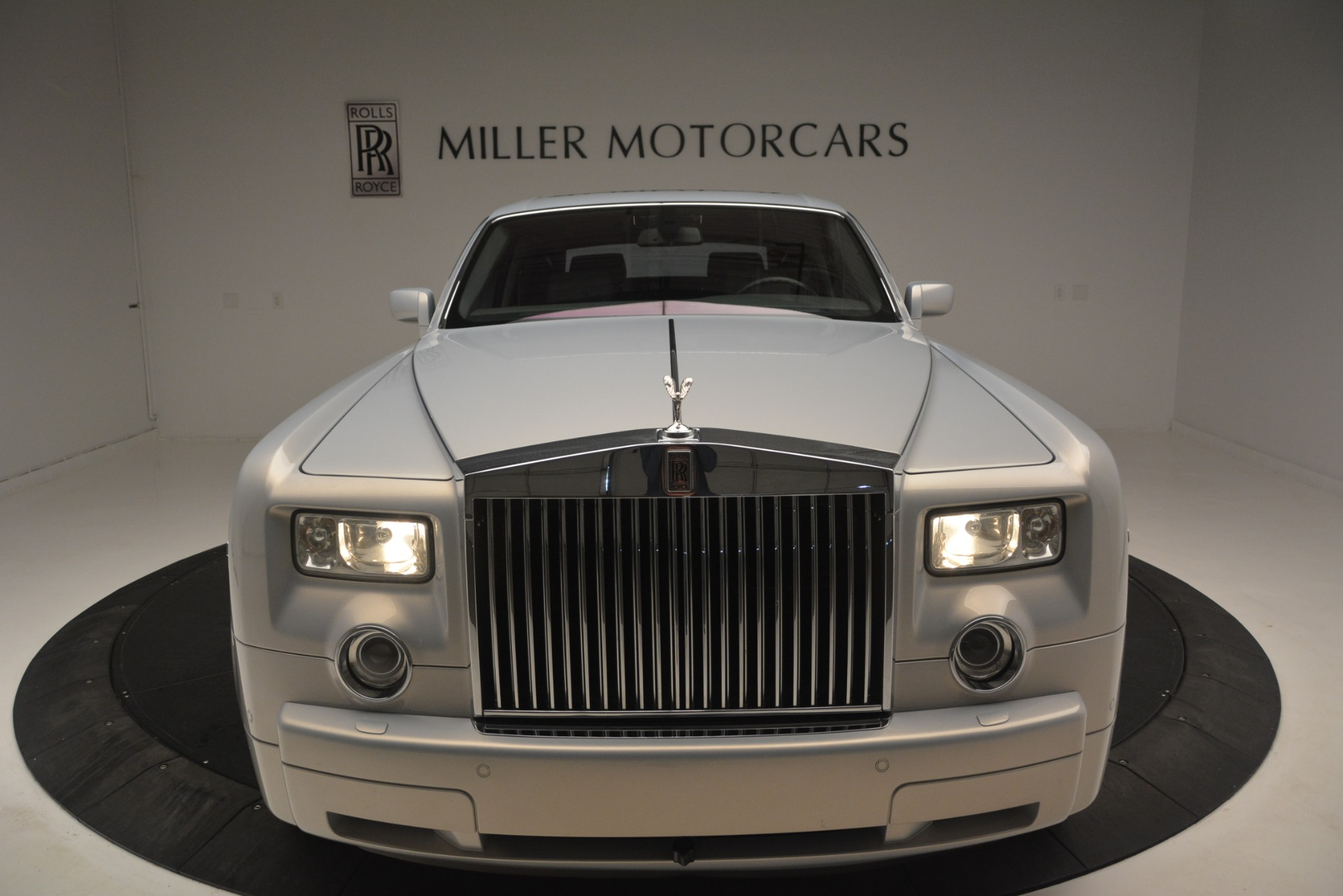 Used 2007 Rolls-Royce Phantom  For Sale In Westport, CT 3089_p6